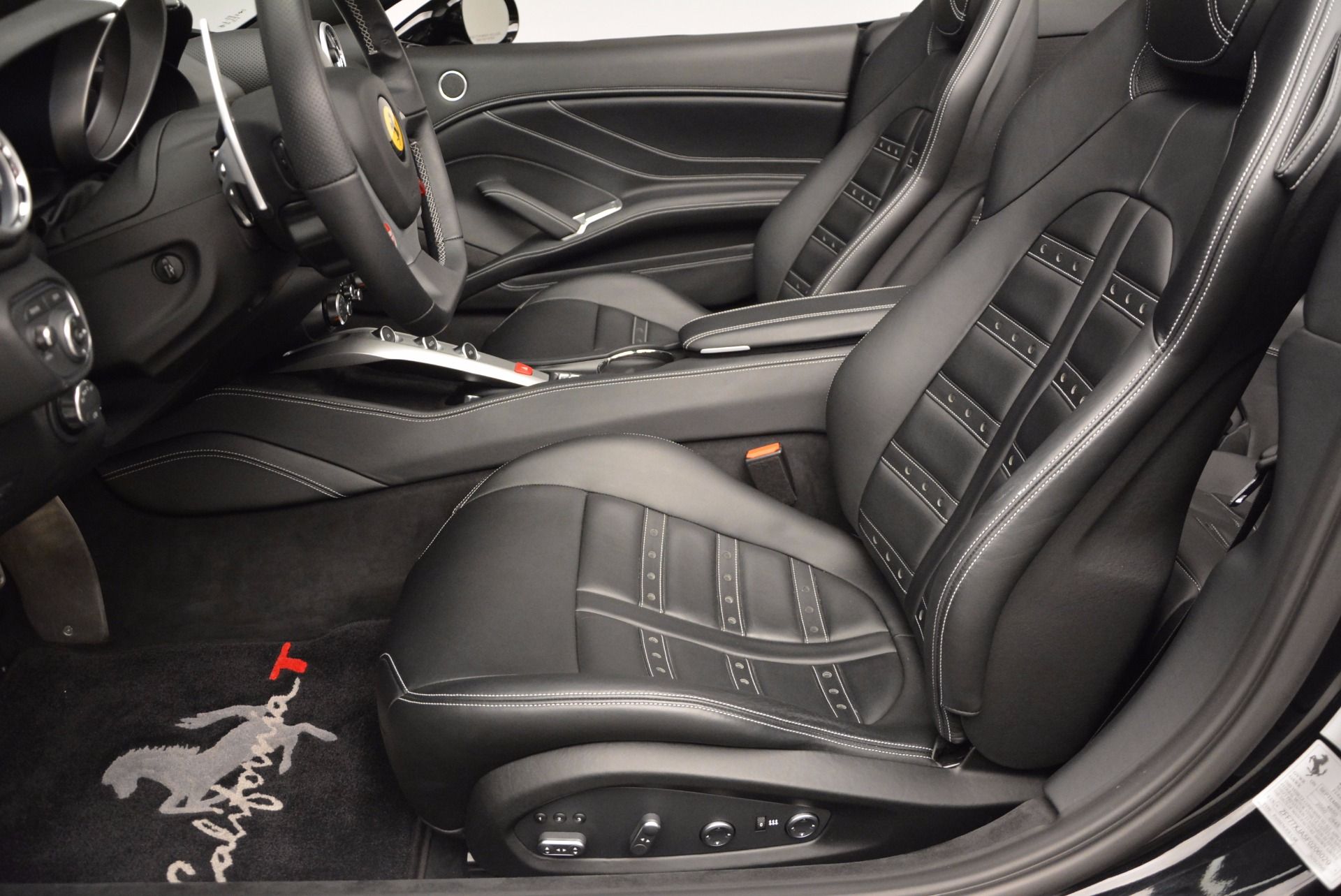 Used 2015 Ferrari California T  For Sale In Westport, CT 1218_p25