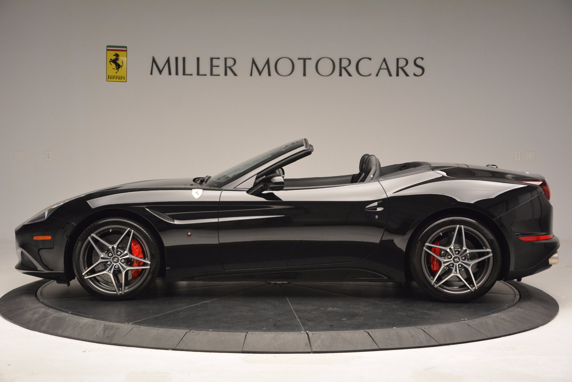Used 2015 Ferrari California T  For Sale In Westport, CT 1218_p3