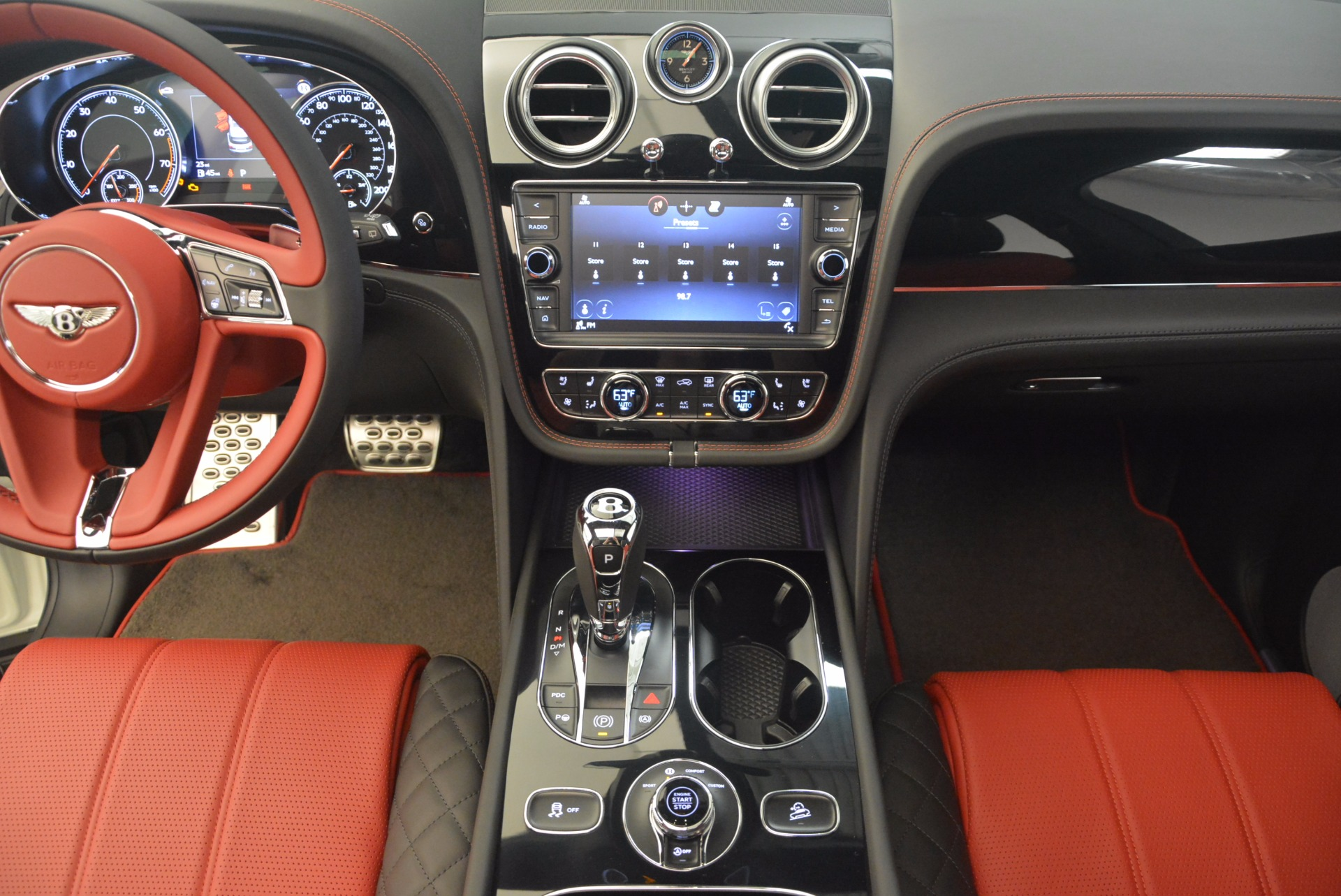 New 2018 Bentley Bentayga Black Edition For Sale In Westport, CT 1221_p40