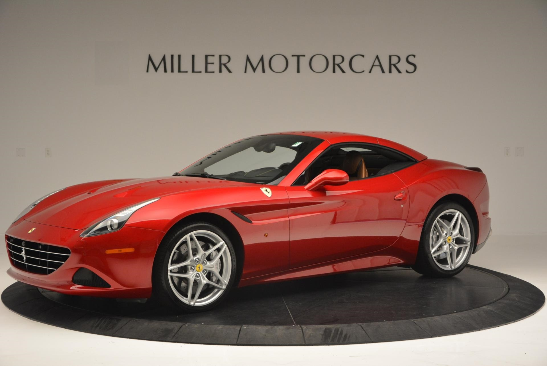 Used 2015 Ferrari California T  For Sale In Westport, CT 123_p14