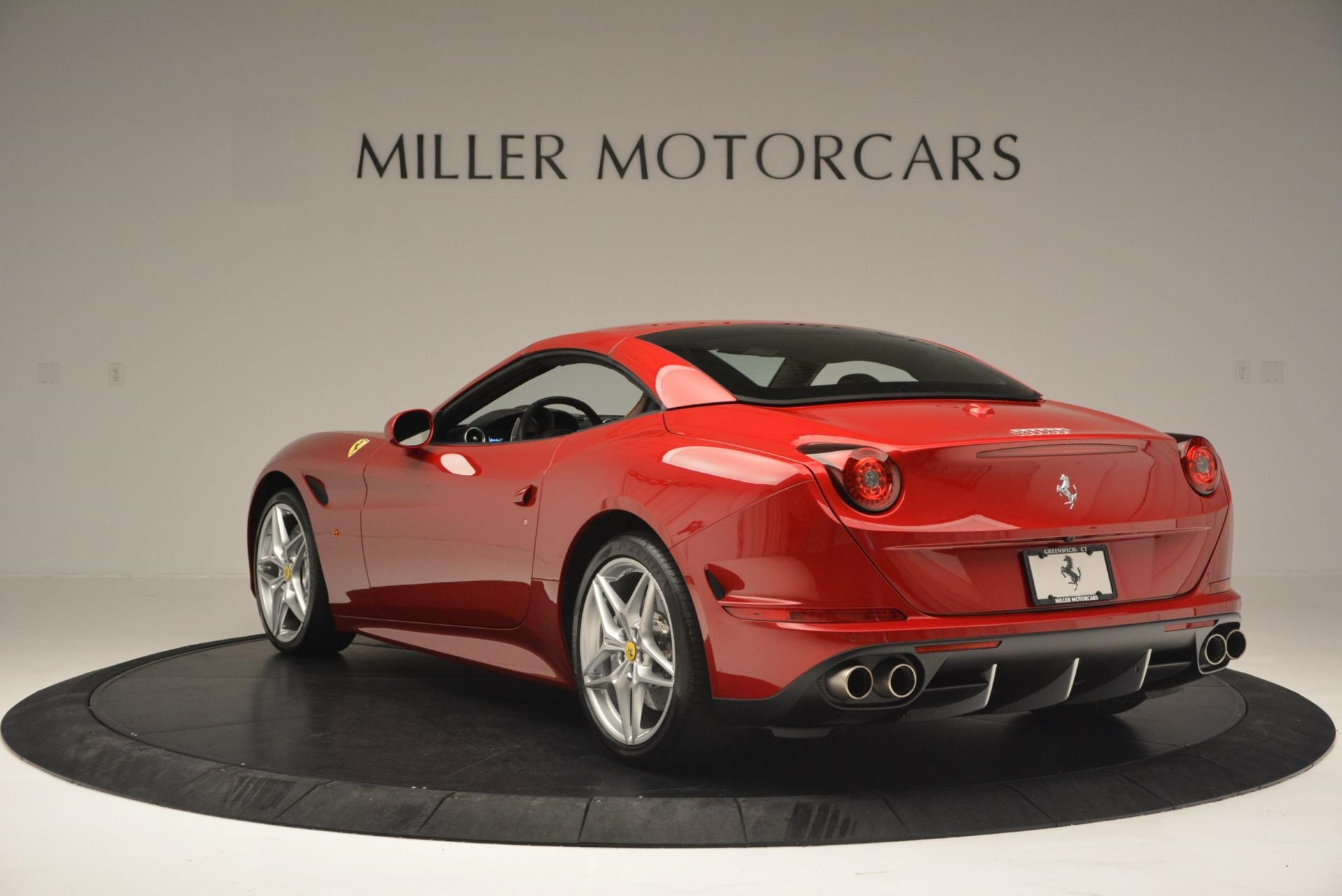 Used 2015 Ferrari California T  For Sale In Westport, CT 123_p17