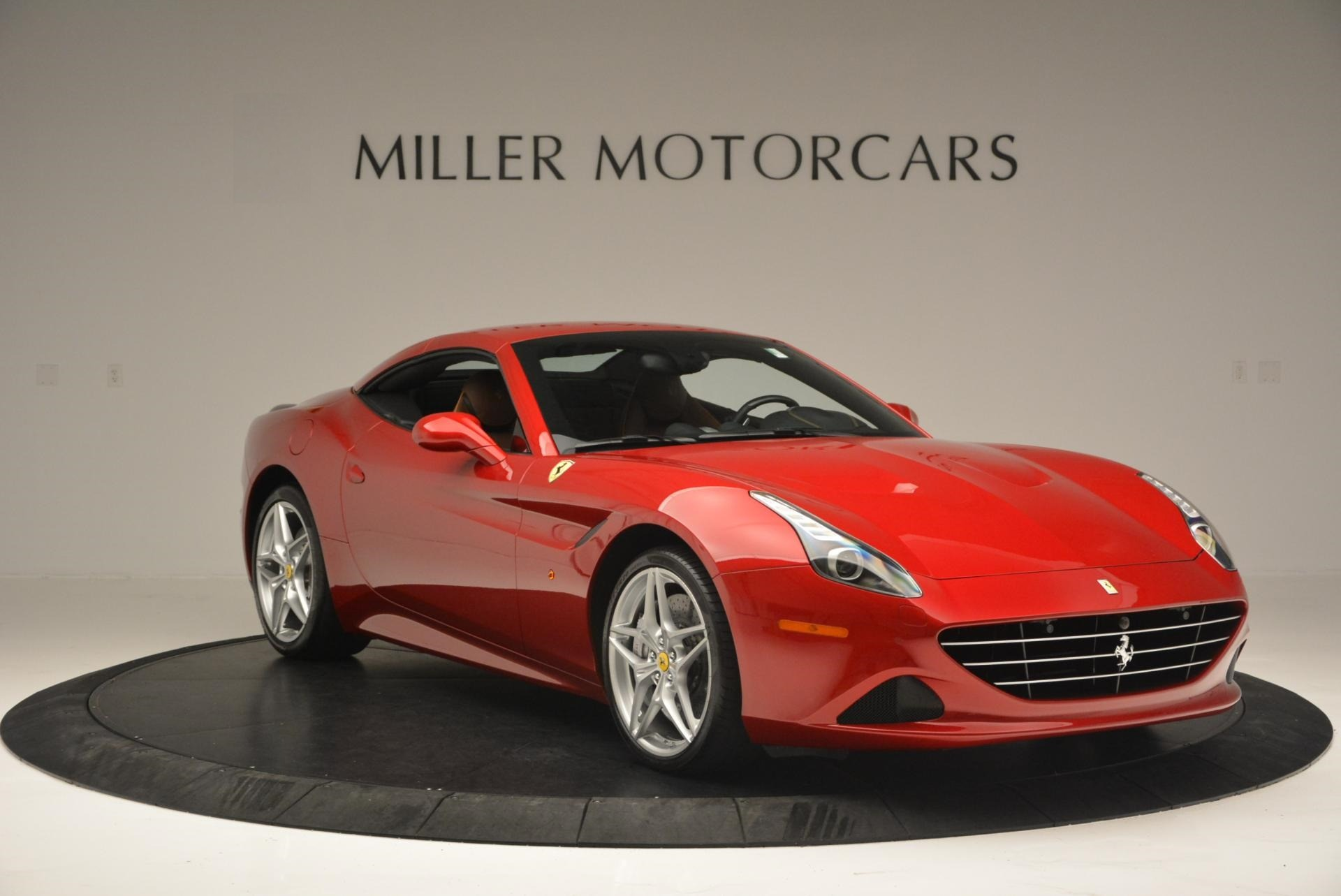 Used 2015 Ferrari California T  For Sale In Westport, CT 123_p23
