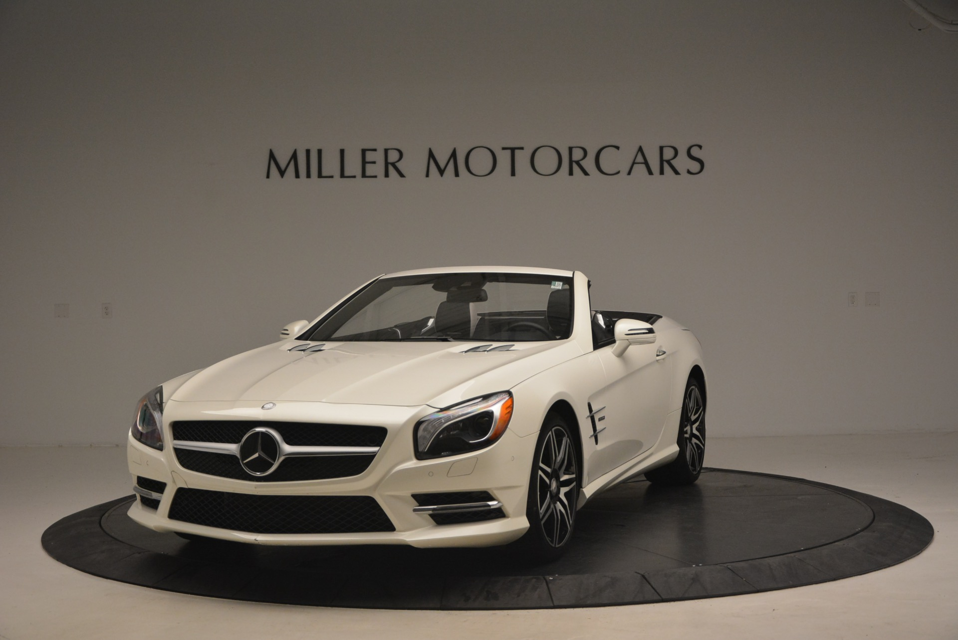 Used 2015 Mercedes Benz SL-Class SL 550 For Sale In Westport, CT 1261_main