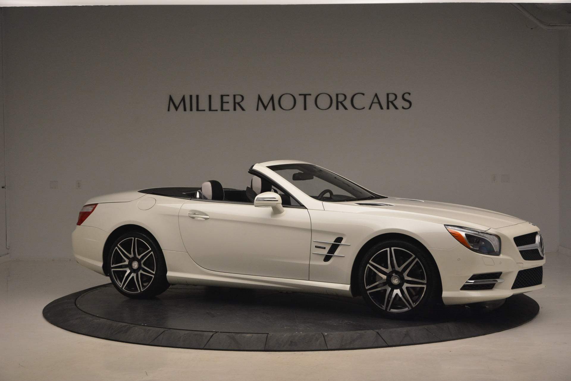 Used 2015 Mercedes Benz SL-Class SL 550 For Sale In Westport, CT 1261_p11