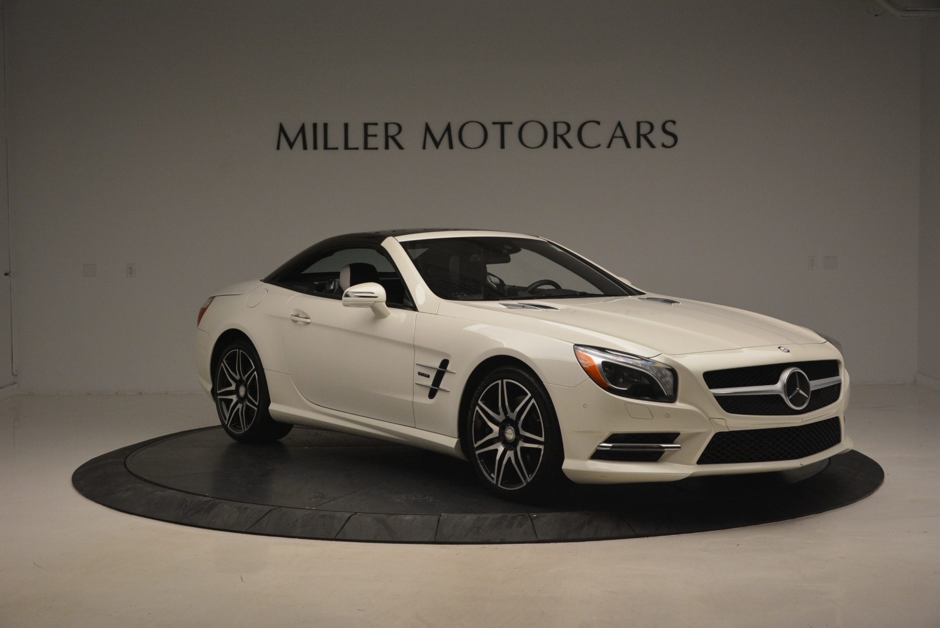Used 2015 Mercedes Benz SL-Class SL 550 For Sale In Westport, CT 1261_p25