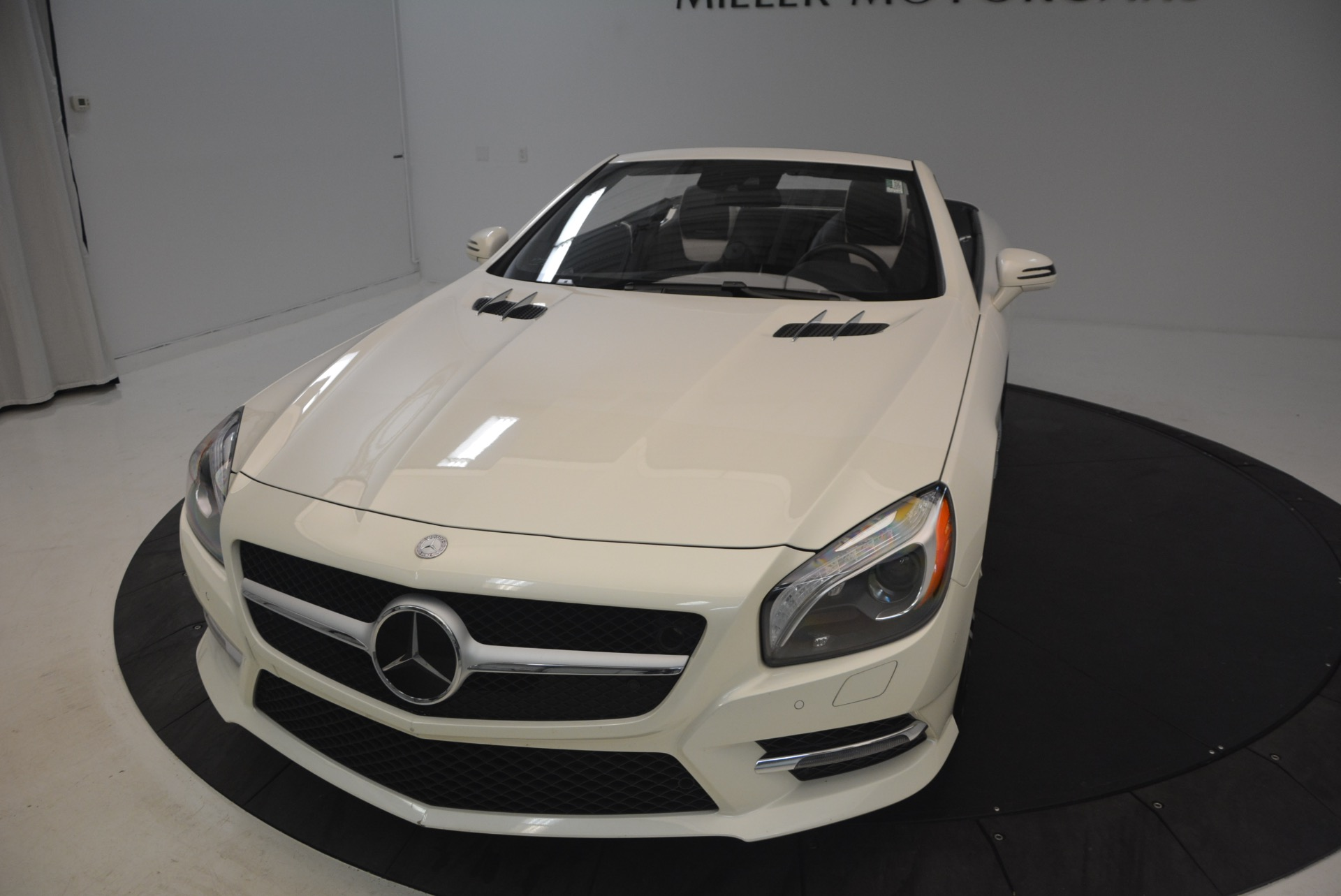 Used 2015 Mercedes Benz SL-Class SL 550 For Sale In Westport, CT 1261_p26