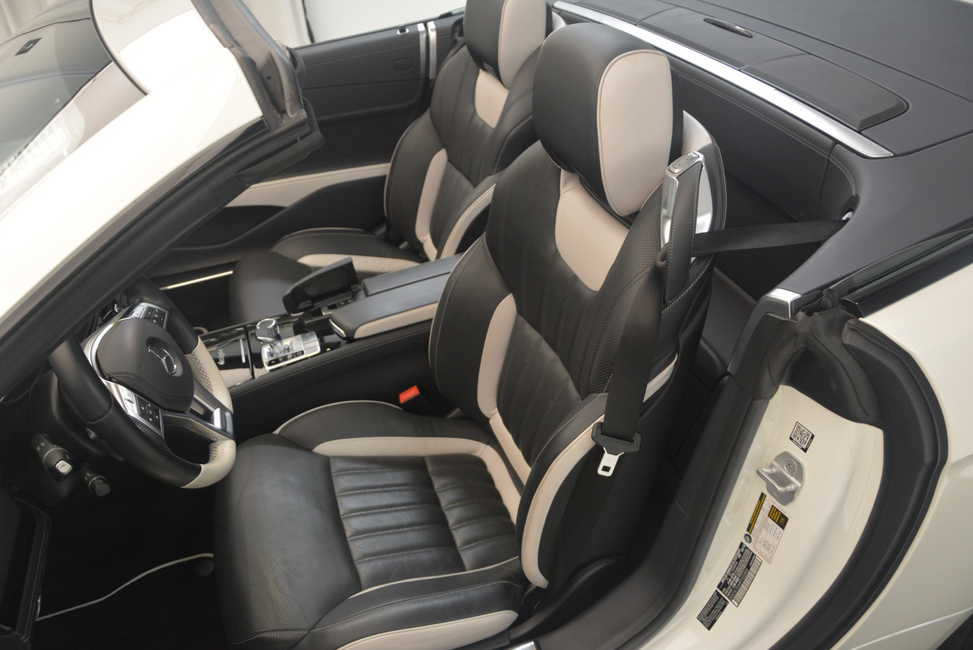 Used 2015 Mercedes Benz SL-Class SL 550 For Sale In Westport, CT 1261_p30