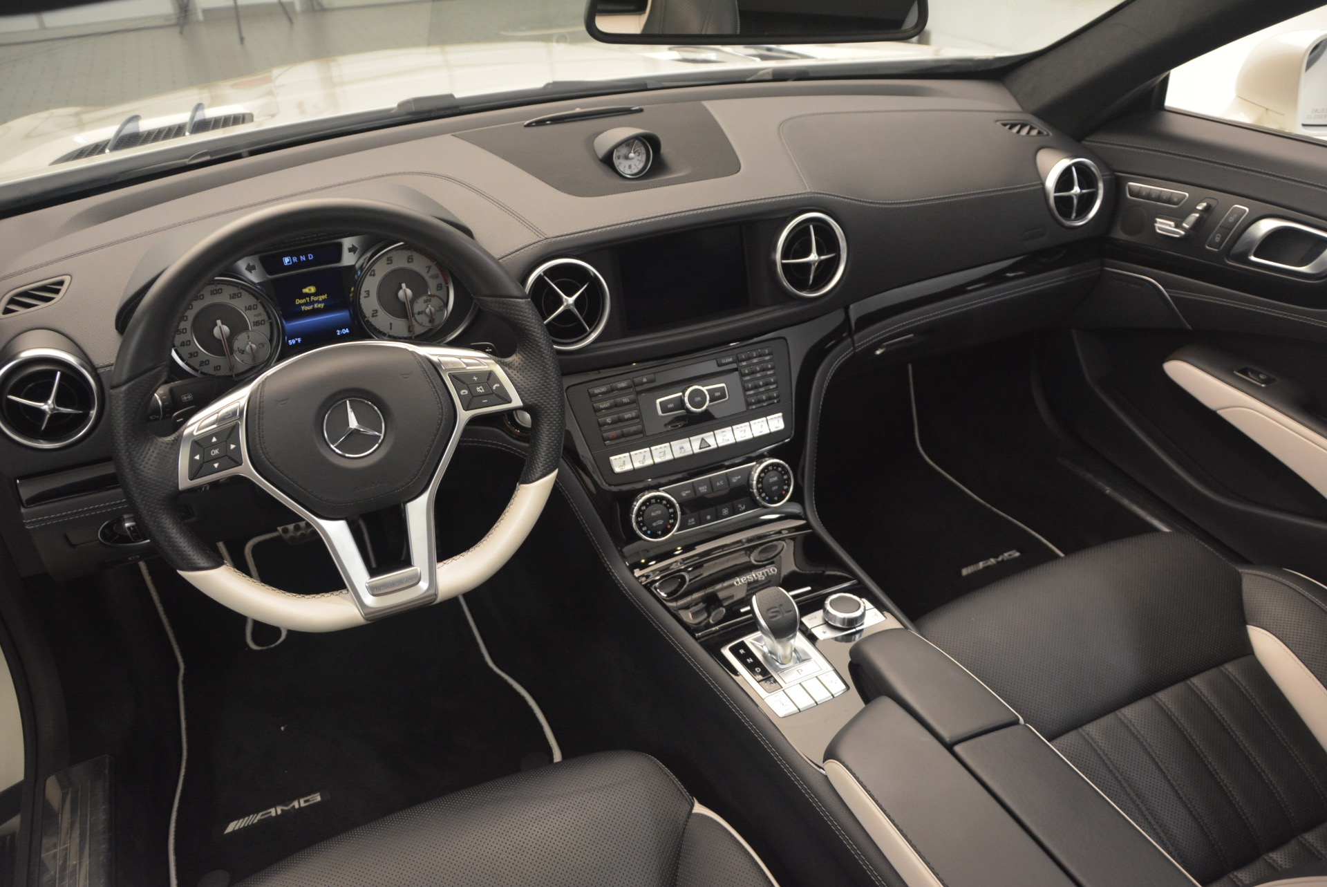 Used 2015 Mercedes Benz SL-Class SL 550 For Sale In Westport, CT 1261_p32