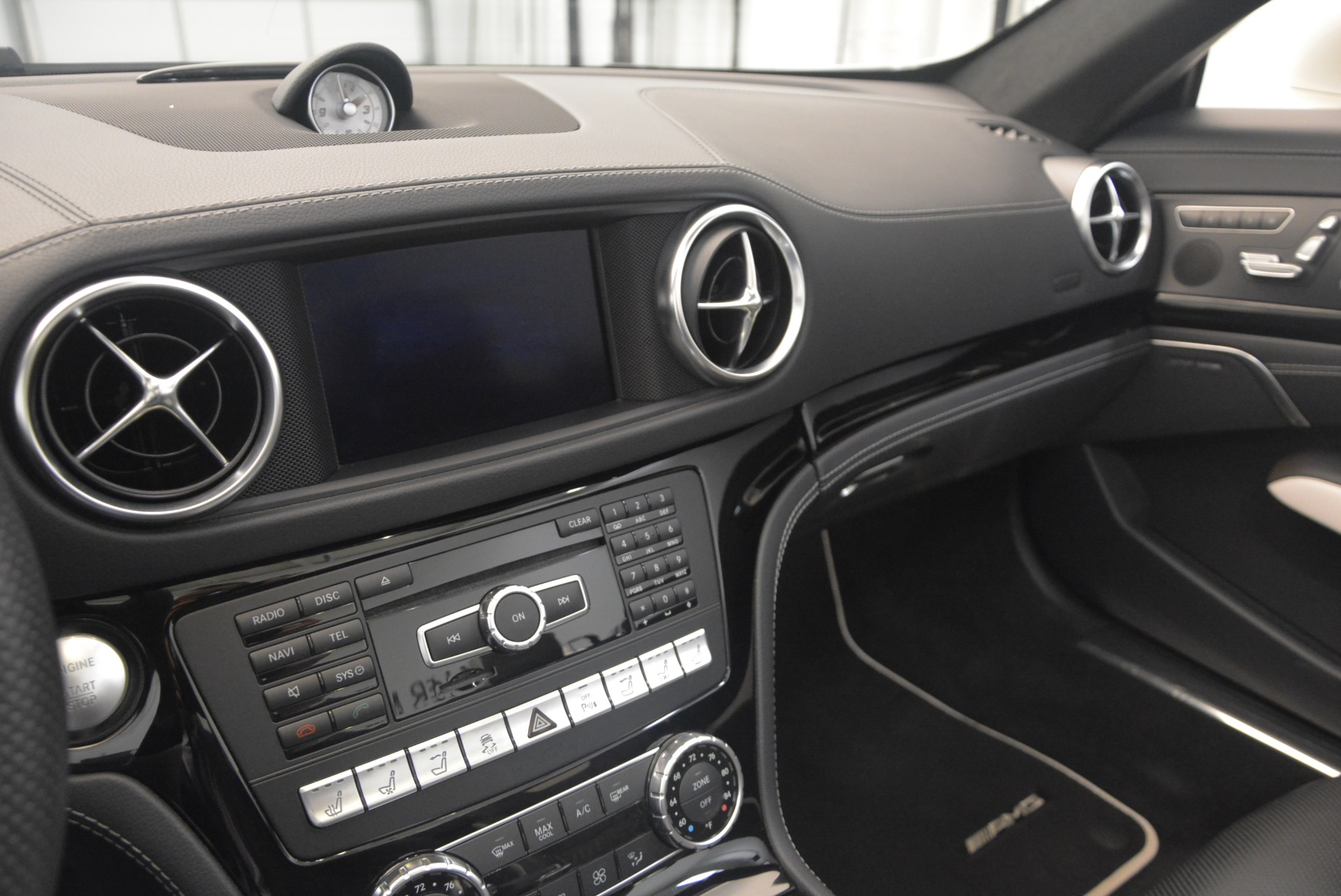 Used 2015 Mercedes Benz SL-Class SL 550 For Sale In Westport, CT 1261_p34