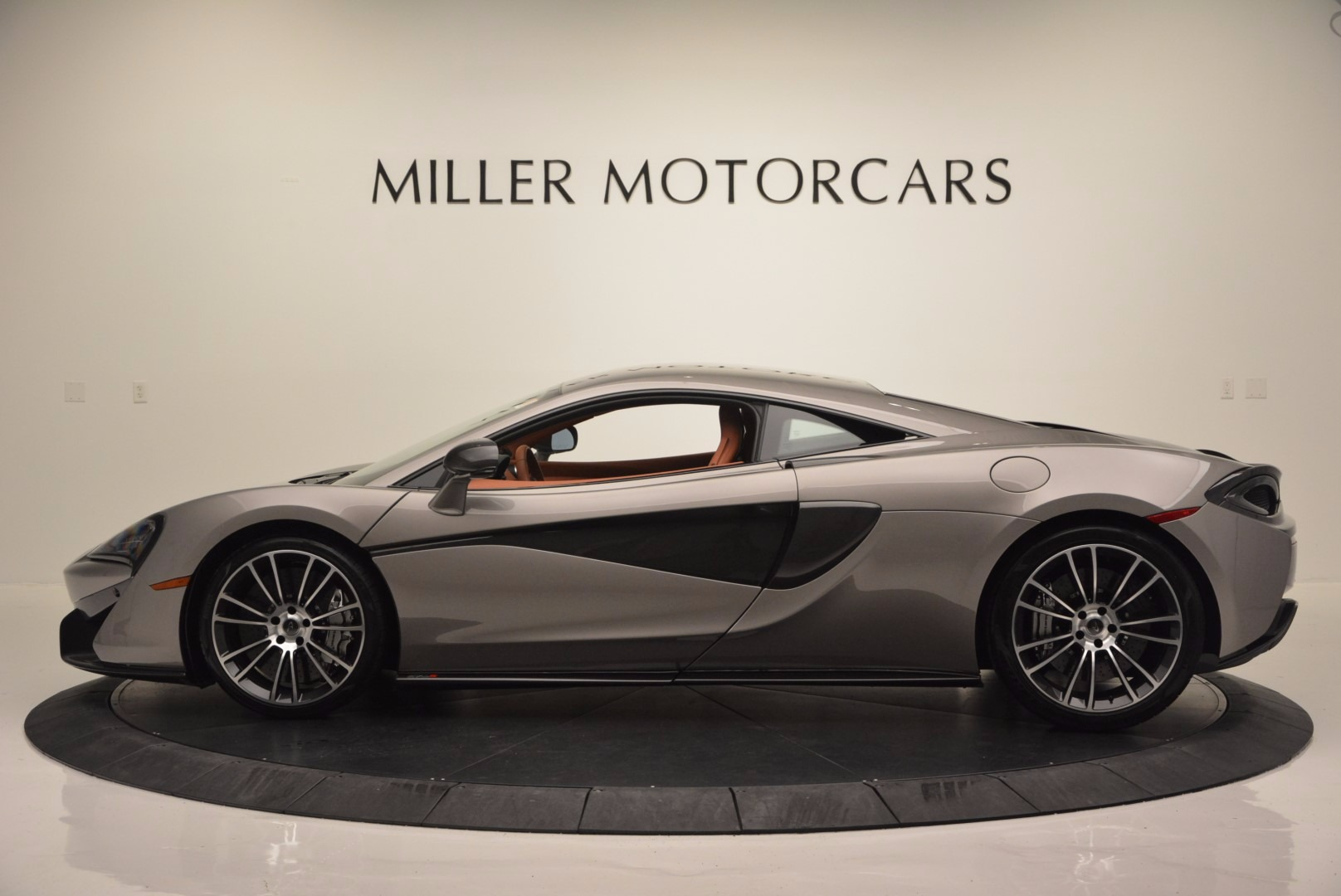 Used 2016 McLaren 570S  For Sale In Westport, CT 1267_p3