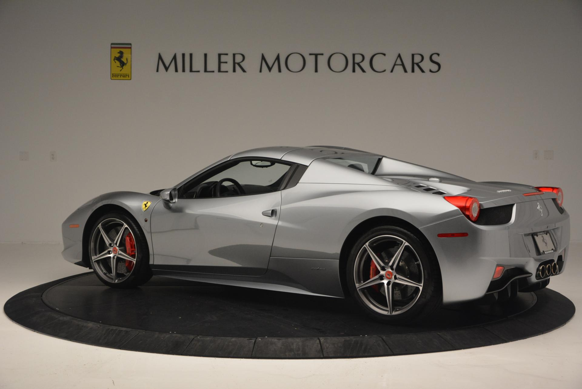 Used 2013 Ferrari 458 Spider  For Sale In Westport, CT 128_p16