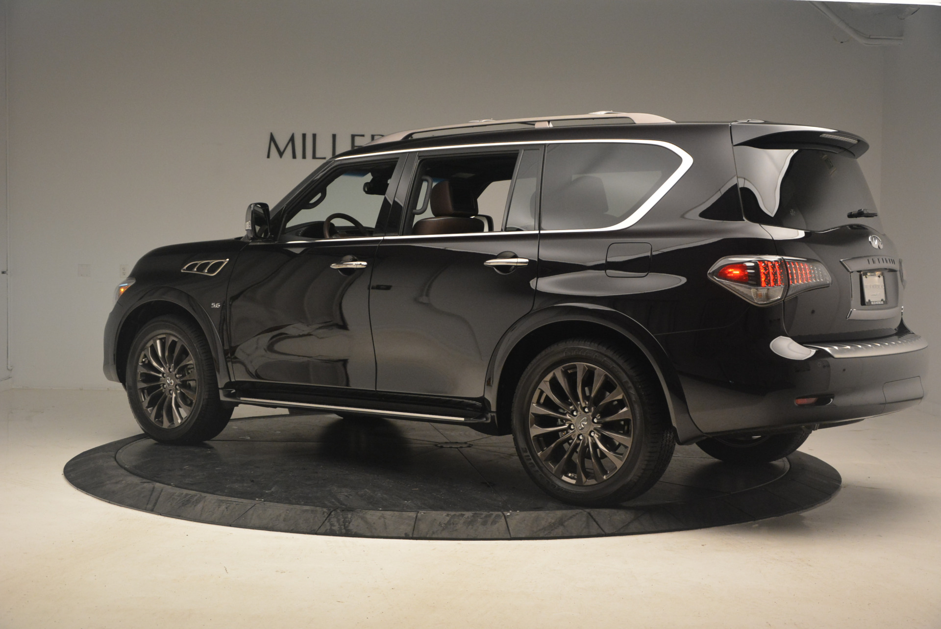 Used 2015 INFINITI QX80 Limited 4WD For Sale In Westport, CT 1289_p4