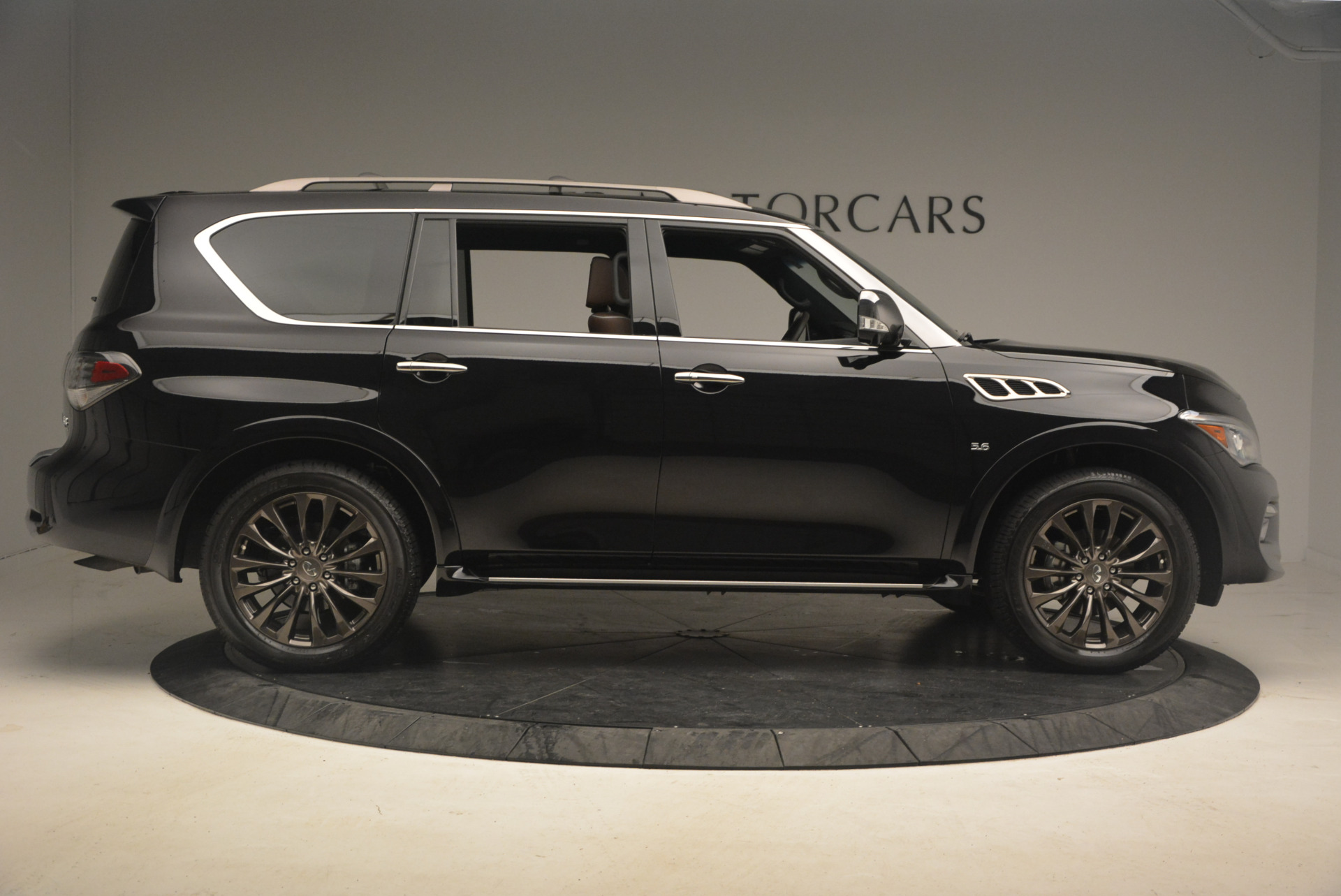 Used 2015 INFINITI QX80 Limited 4WD For Sale In Westport, CT 1289_p9