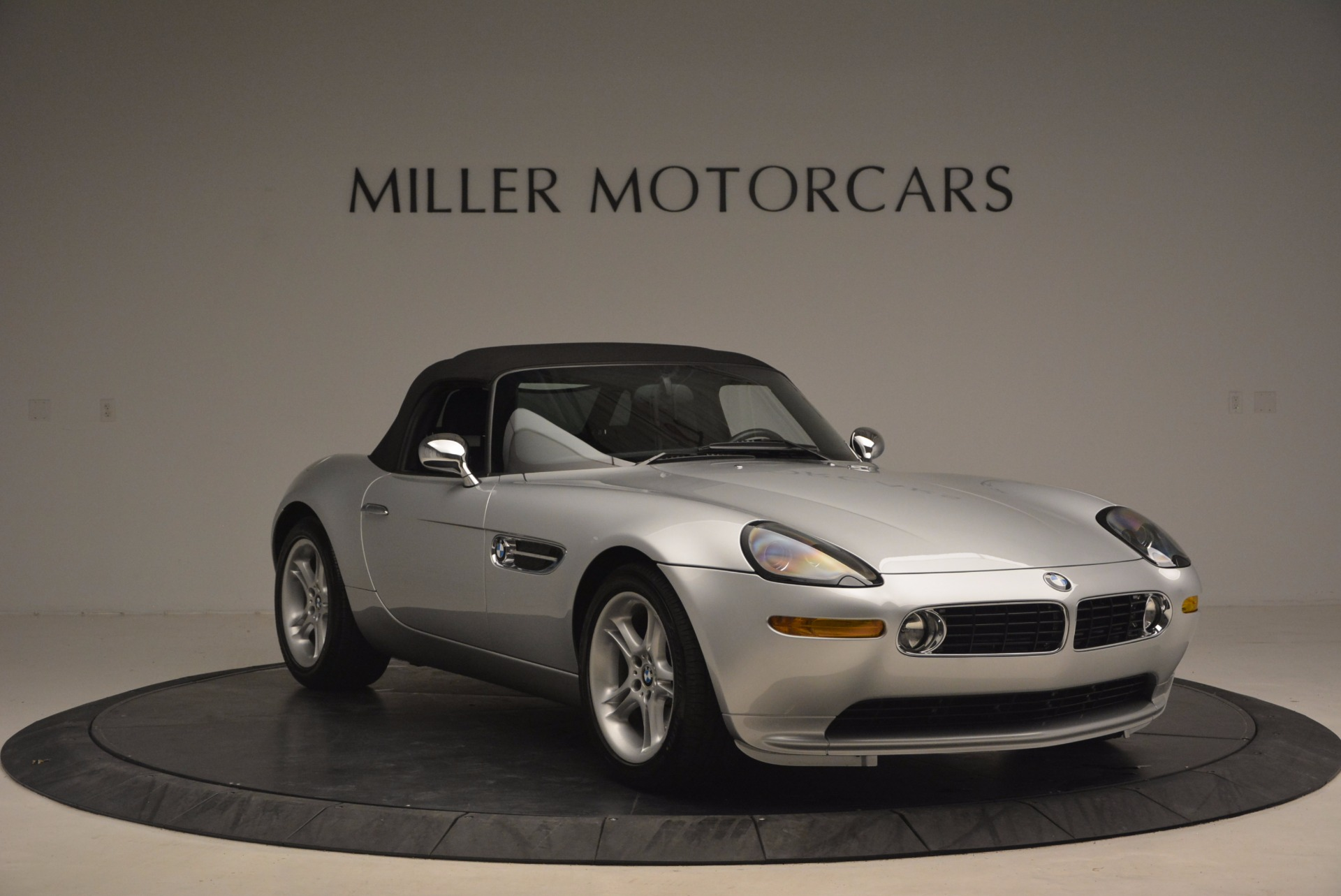 Used 2001 BMW Z8  For Sale In Westport, CT 1293_p23