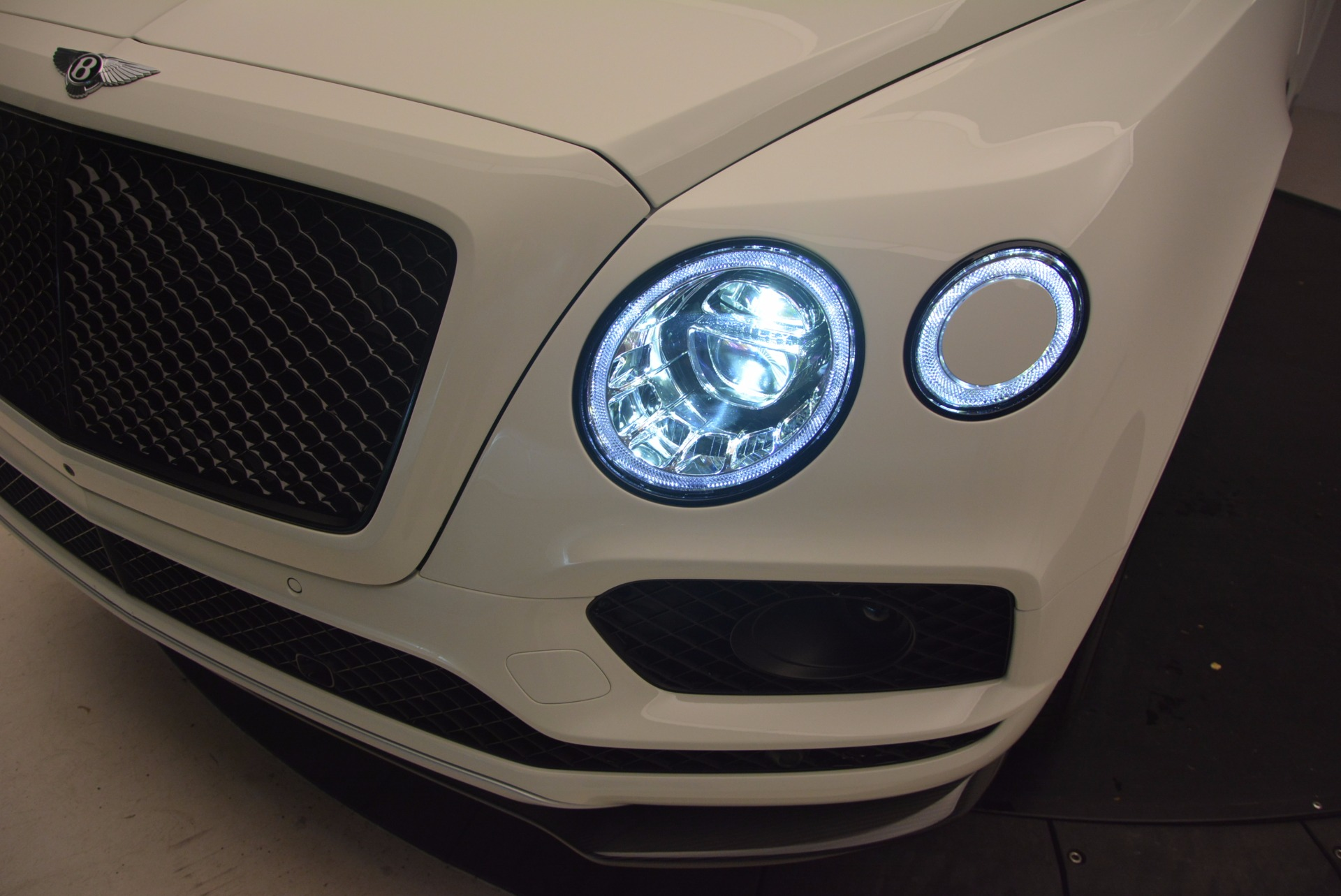 New 2018 Bentley Bentayga Black Edition For Sale In Westport, CT 1302_p17