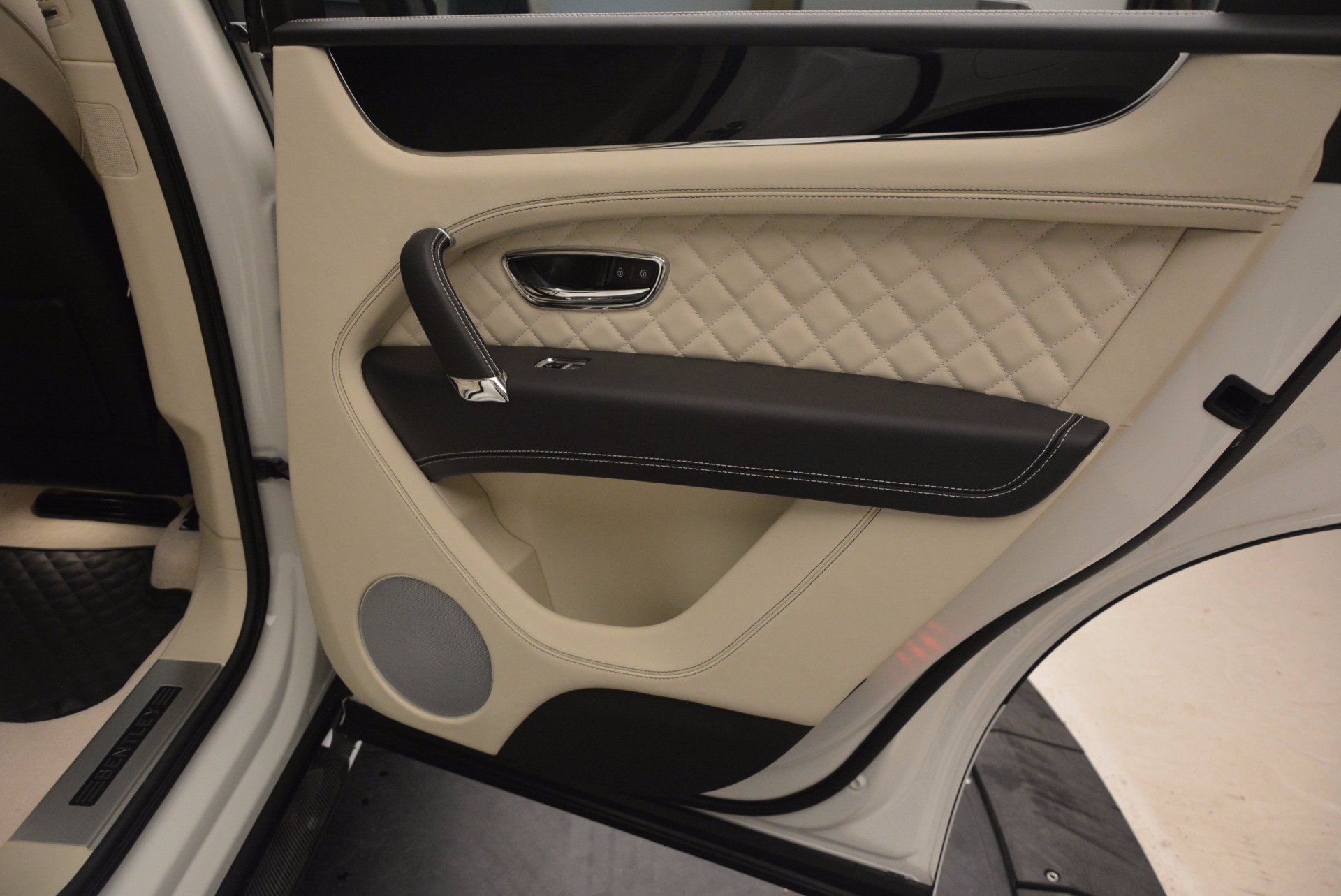 New 2018 Bentley Bentayga Black Edition For Sale In Westport, CT 1302_p43