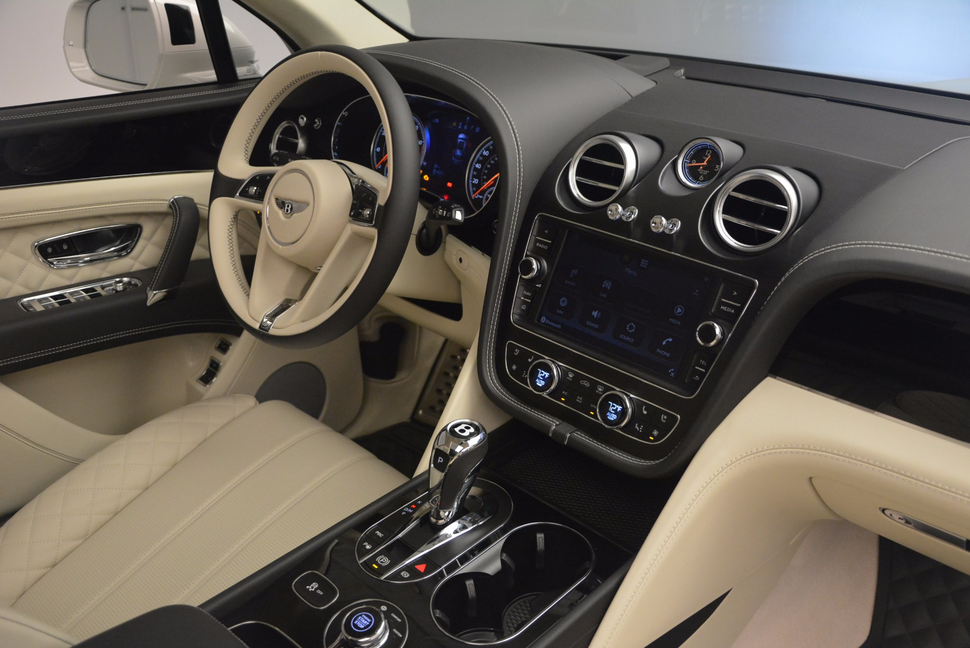 New 2018 Bentley Bentayga Black Edition For Sale In Westport, CT 1302_p51