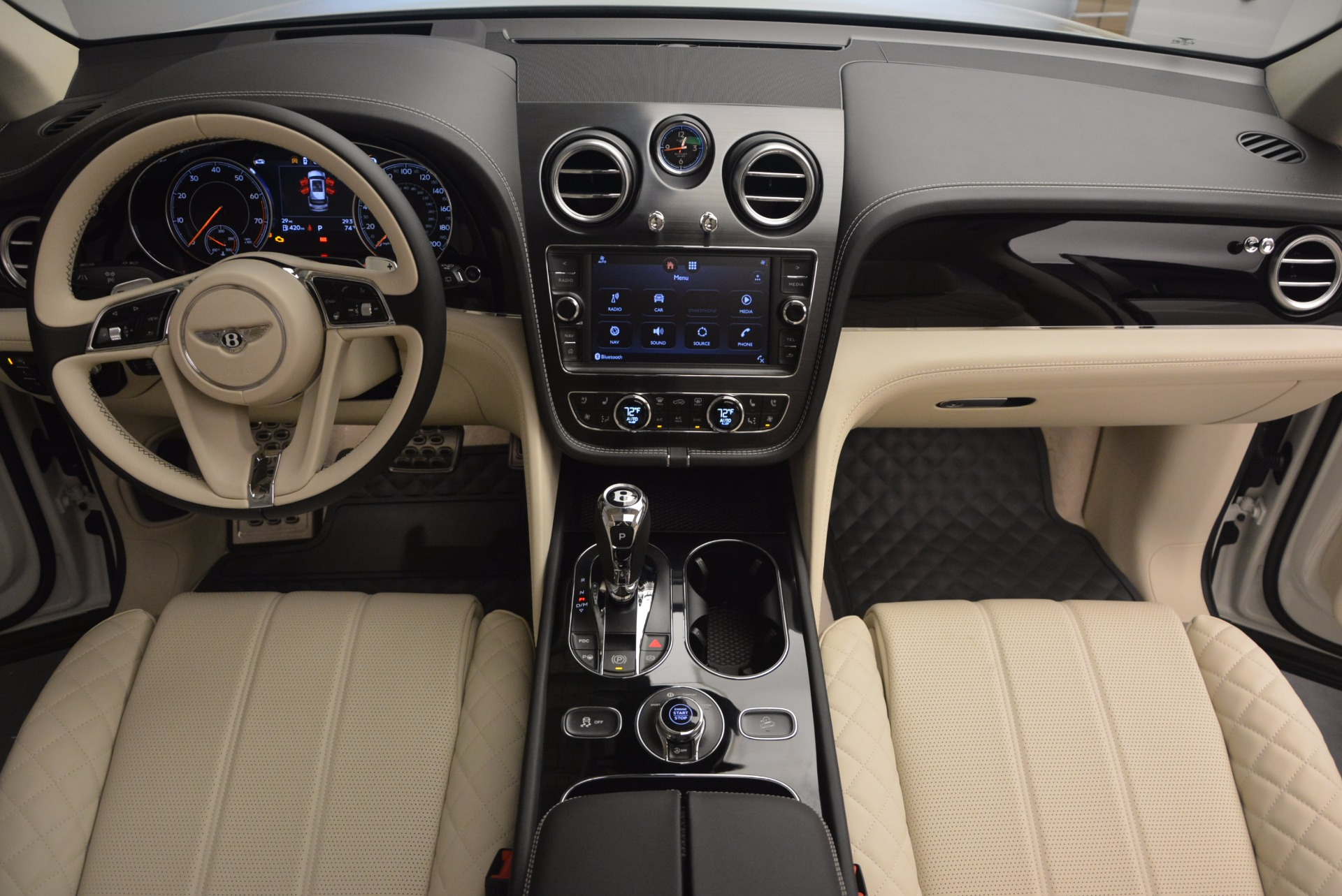New 2018 Bentley Bentayga Black Edition For Sale In Westport, CT 1302_p52