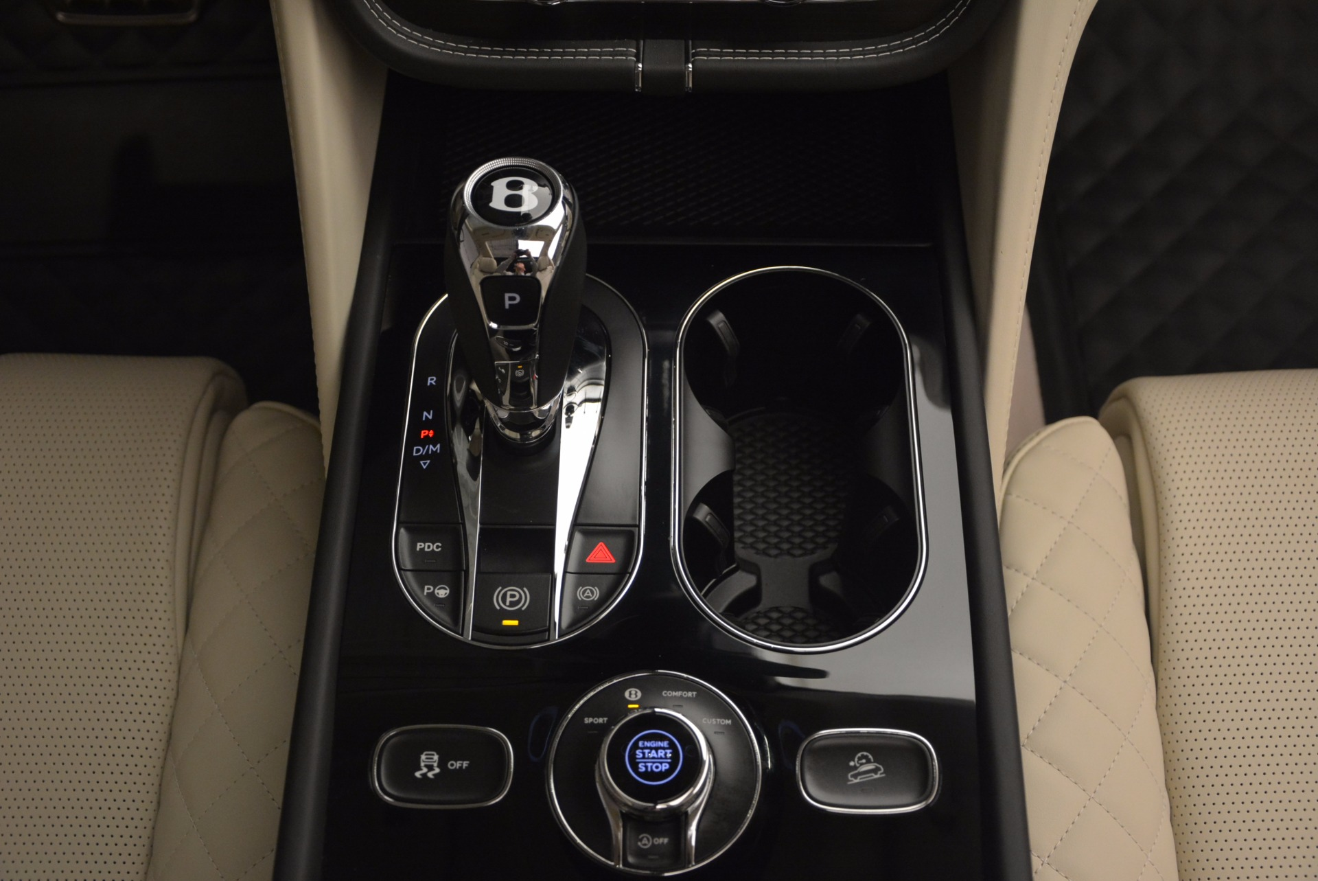 New 2018 Bentley Bentayga Black Edition For Sale In Westport, CT 1302_p56