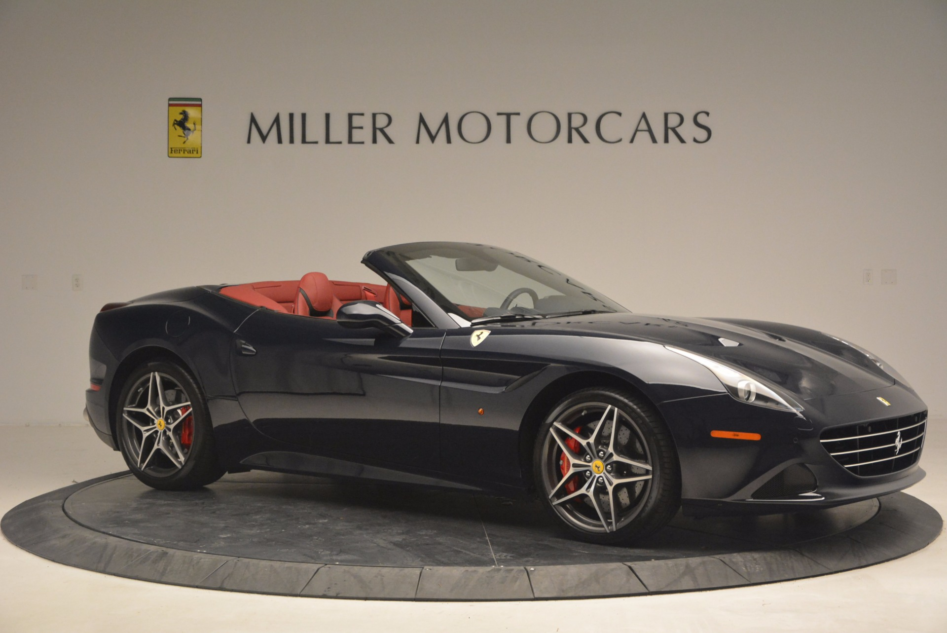 Used 2017 Ferrari California T  For Sale In Westport, CT 1330_p10
