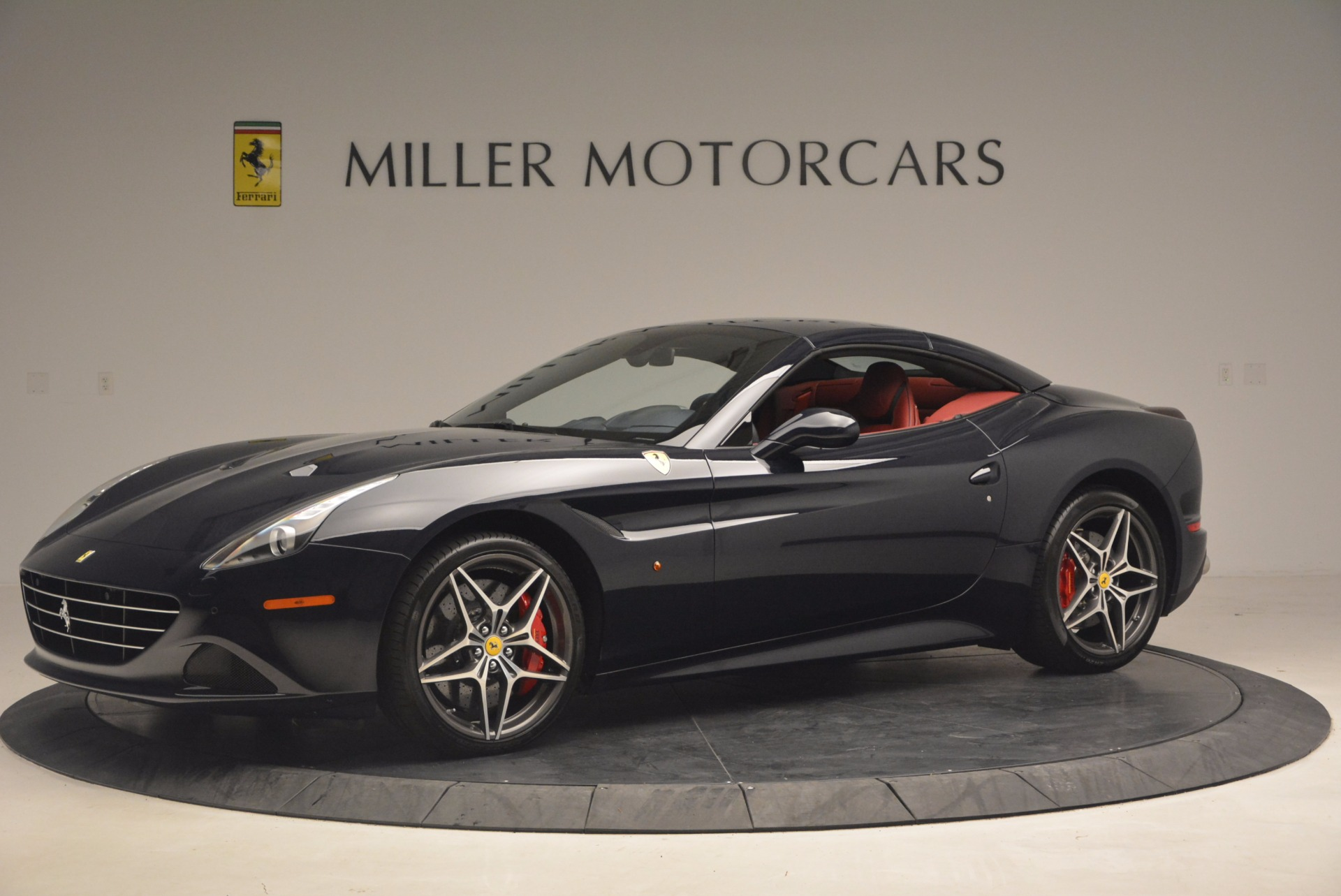 Used 2017 Ferrari California T  For Sale In Westport, CT 1330_p14