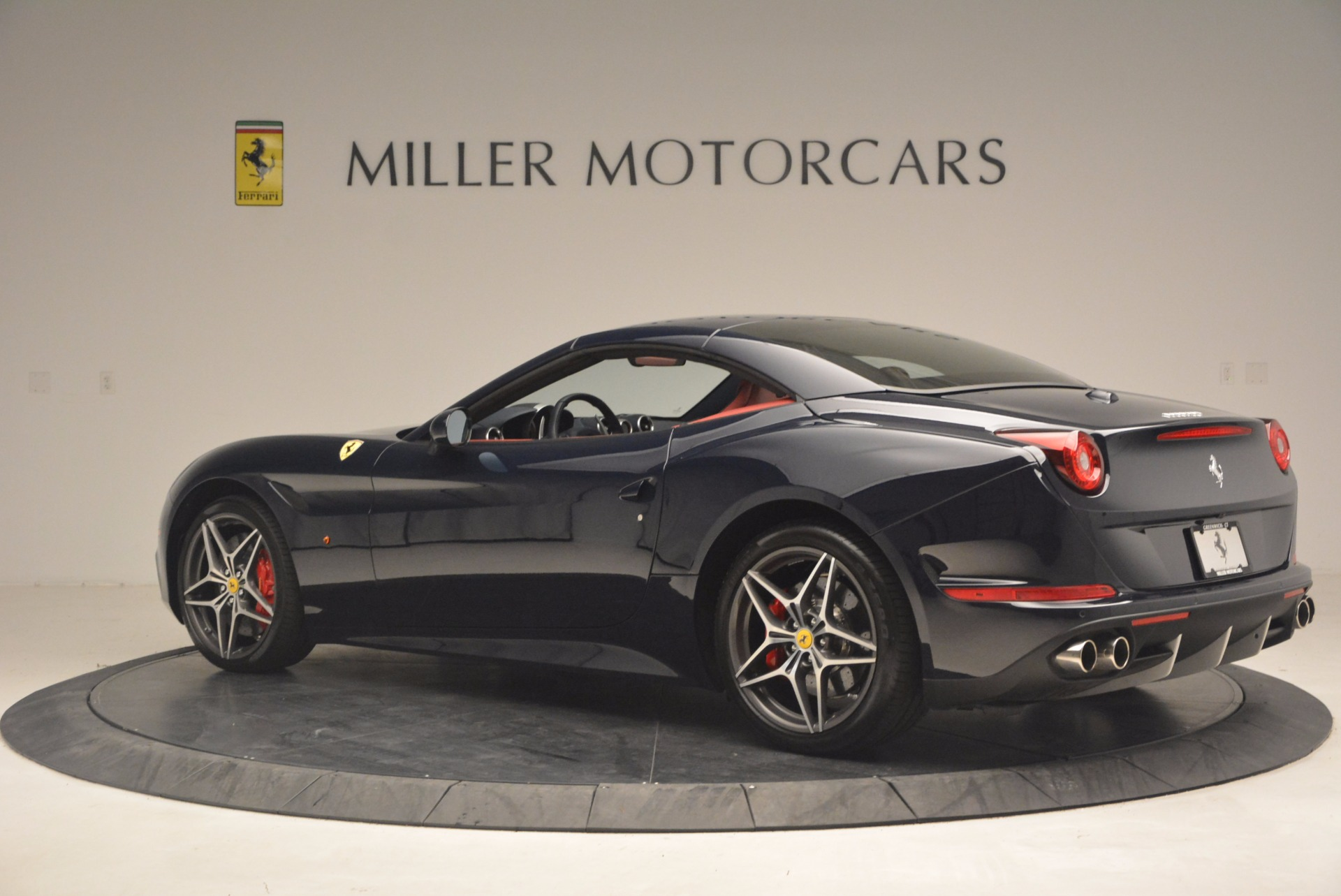 Used 2017 Ferrari California T  For Sale In Westport, CT 1330_p16