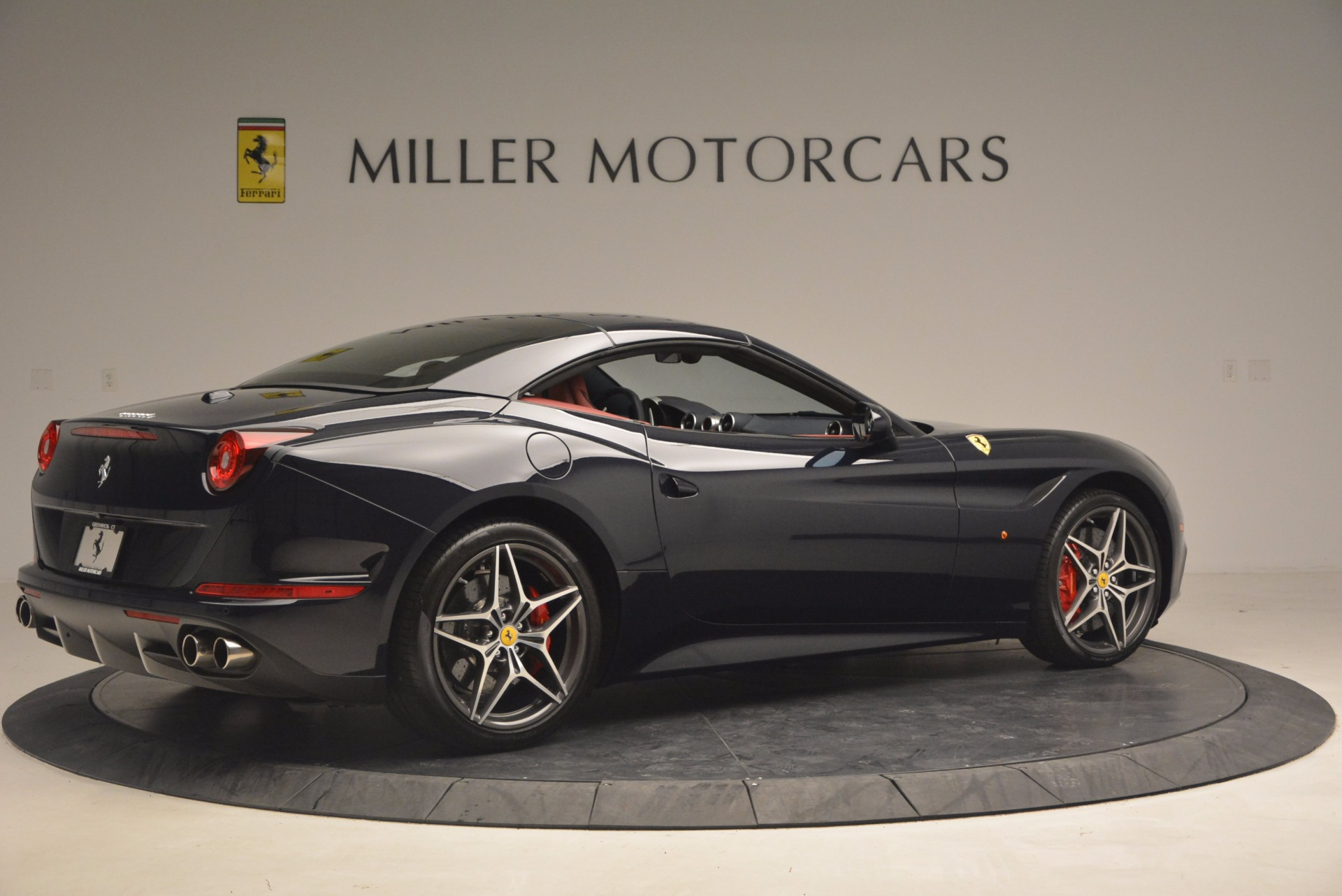 Used 2017 Ferrari California T  For Sale In Westport, CT 1330_p20