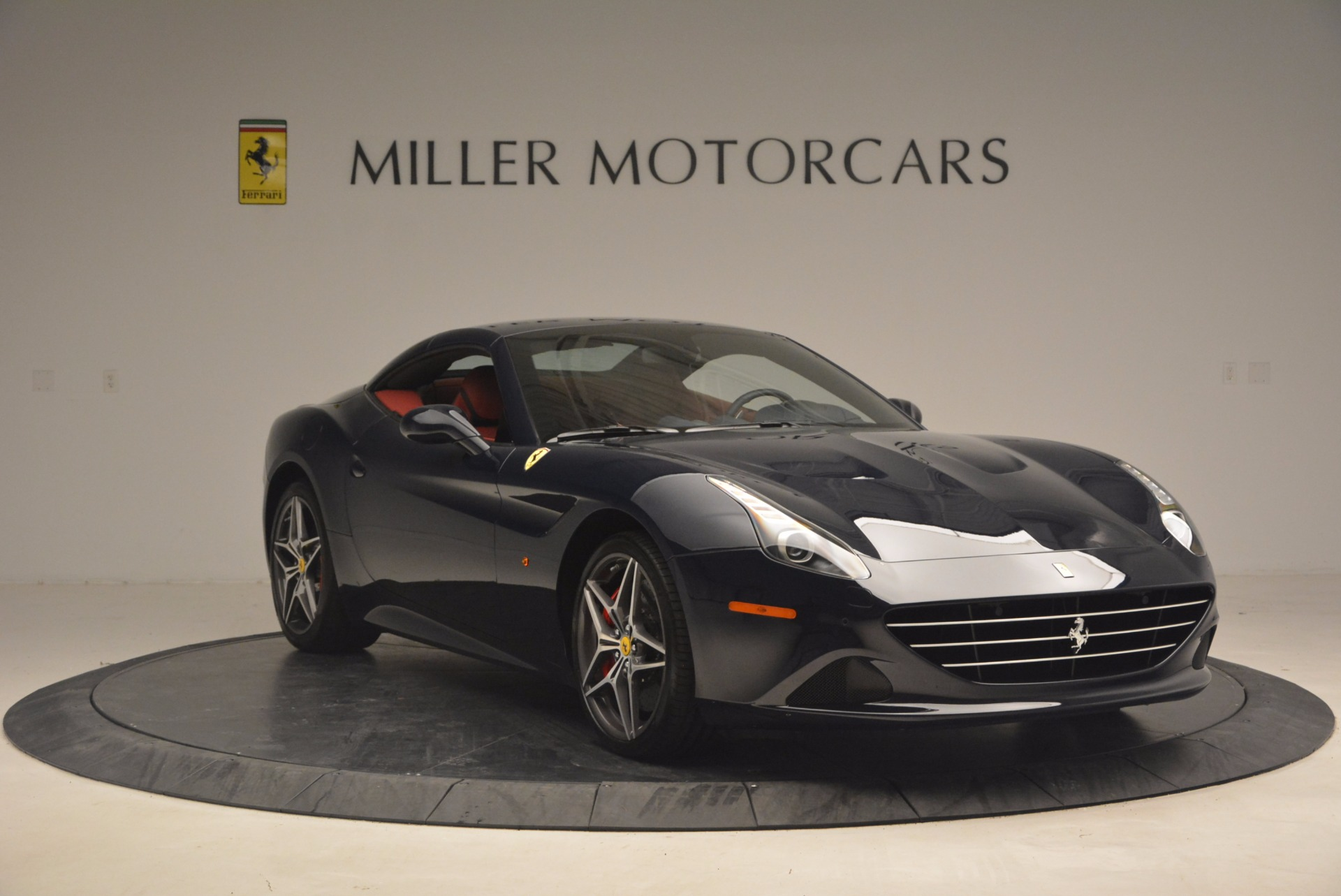 Used 2017 Ferrari California T  For Sale In Westport, CT 1330_p23