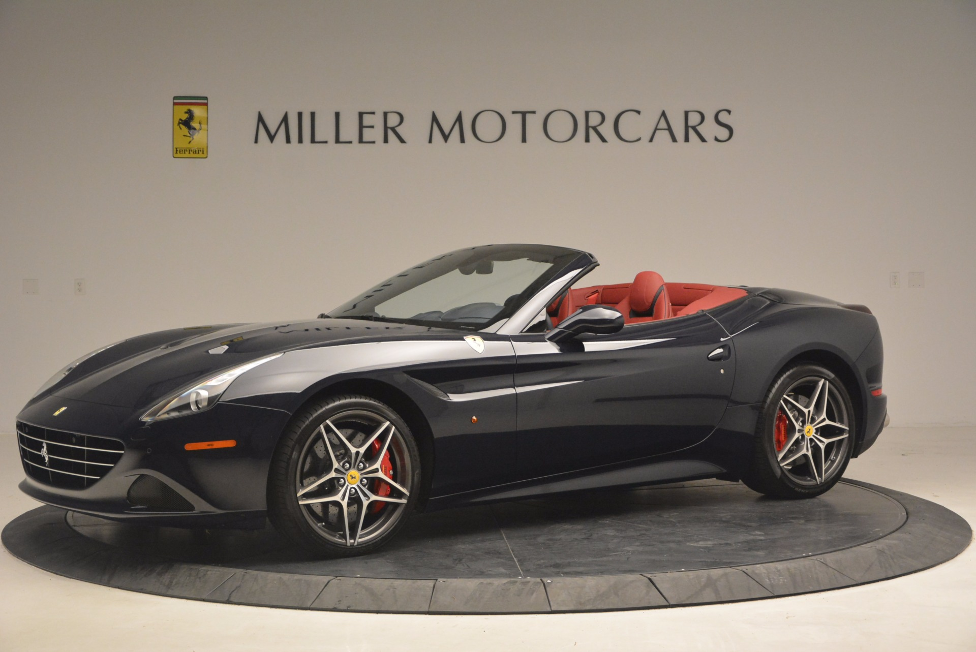 Used 2017 Ferrari California T  For Sale In Westport, CT 1330_p2