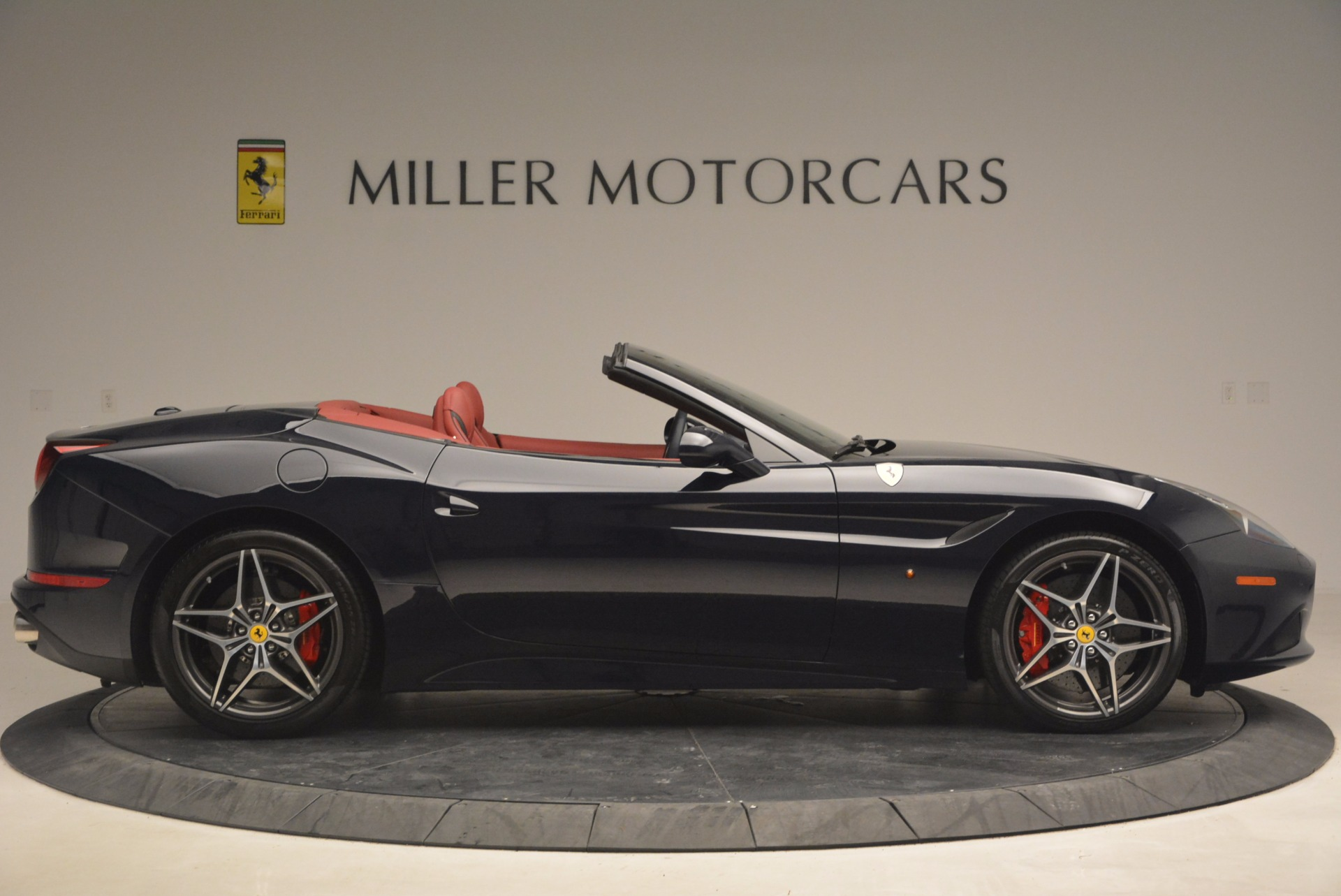 Used 2017 Ferrari California T  For Sale In Westport, CT 1330_p9