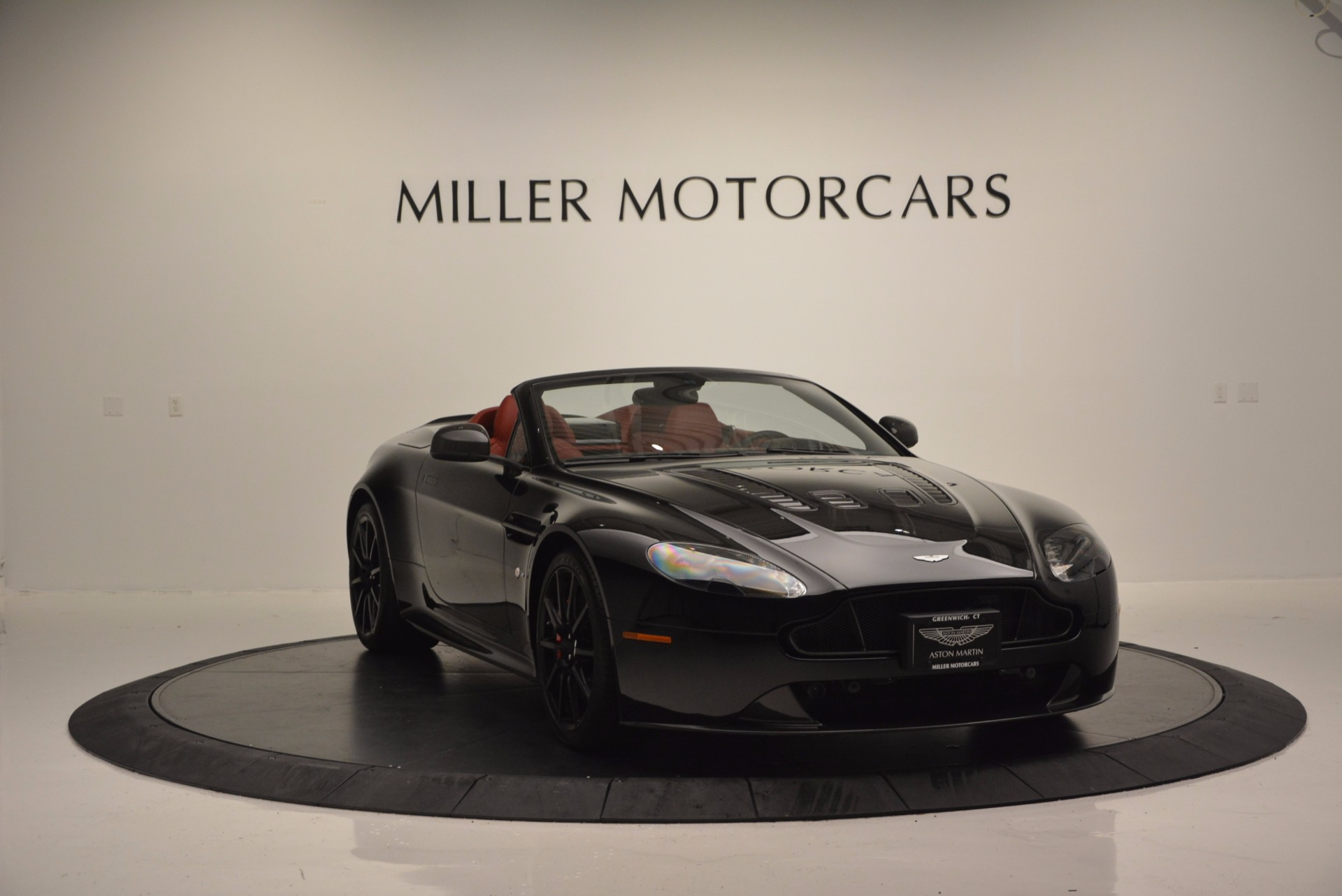 Used 2015 Aston Martin V12 Vantage S Roadster For Sale In Westport, CT 1335_p11