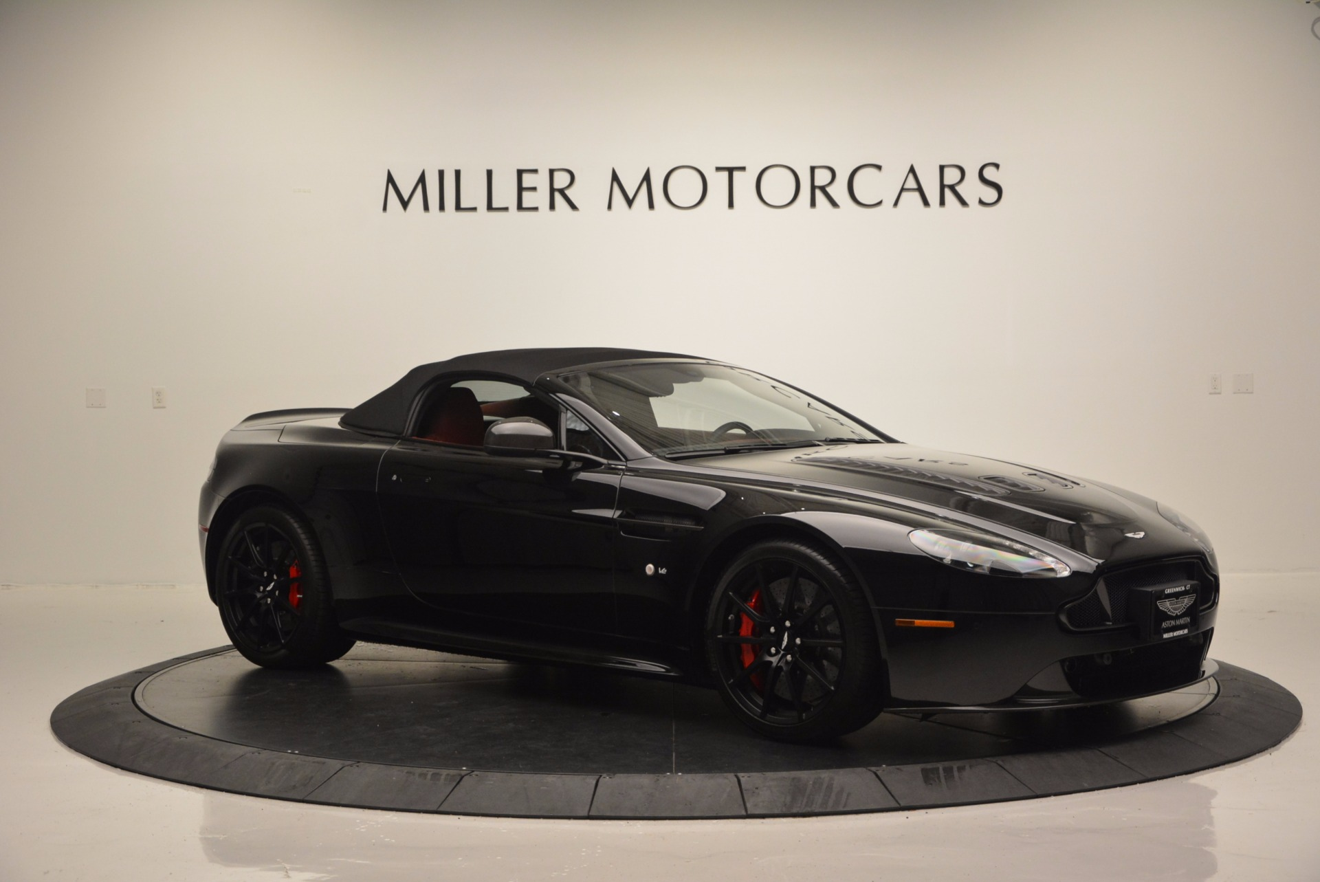 Used 2015 Aston Martin V12 Vantage S Roadster For Sale In Westport, CT 1335_p16