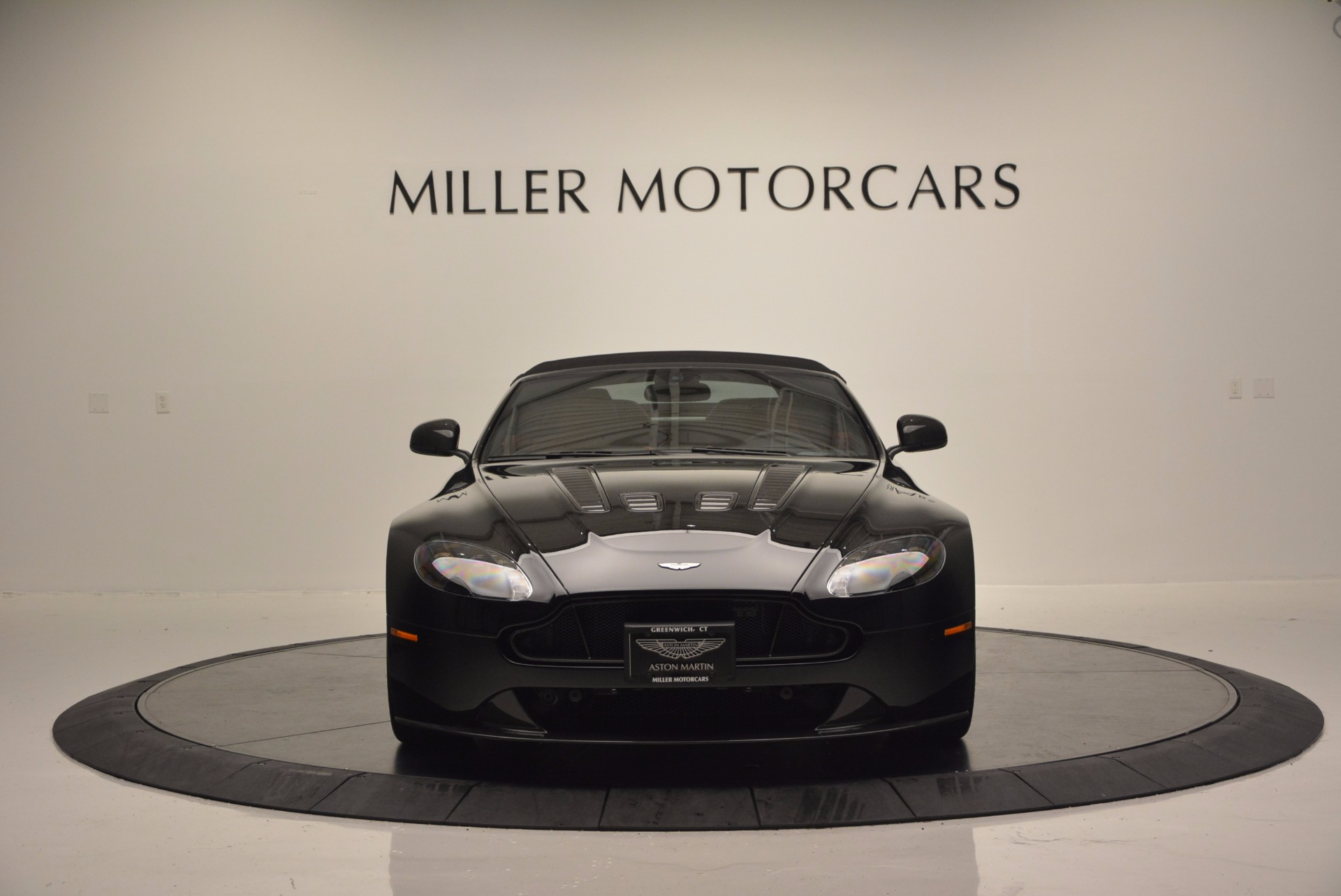 Used 2015 Aston Martin V12 Vantage S Roadster For Sale In Westport, CT 1335_p18