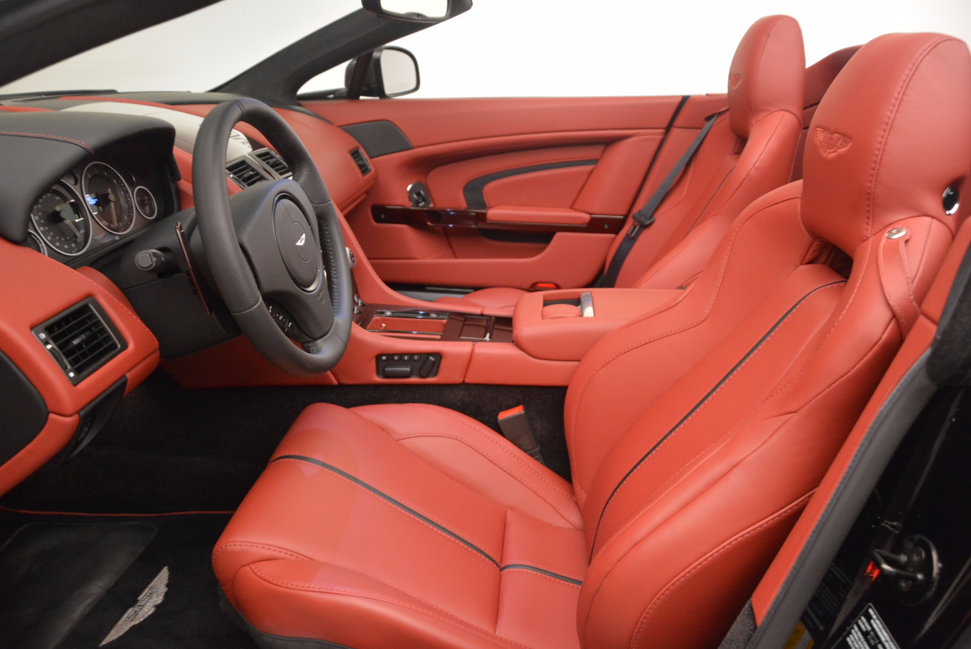 Used 2015 Aston Martin V12 Vantage S Roadster For Sale In Westport, CT 1335_p20
