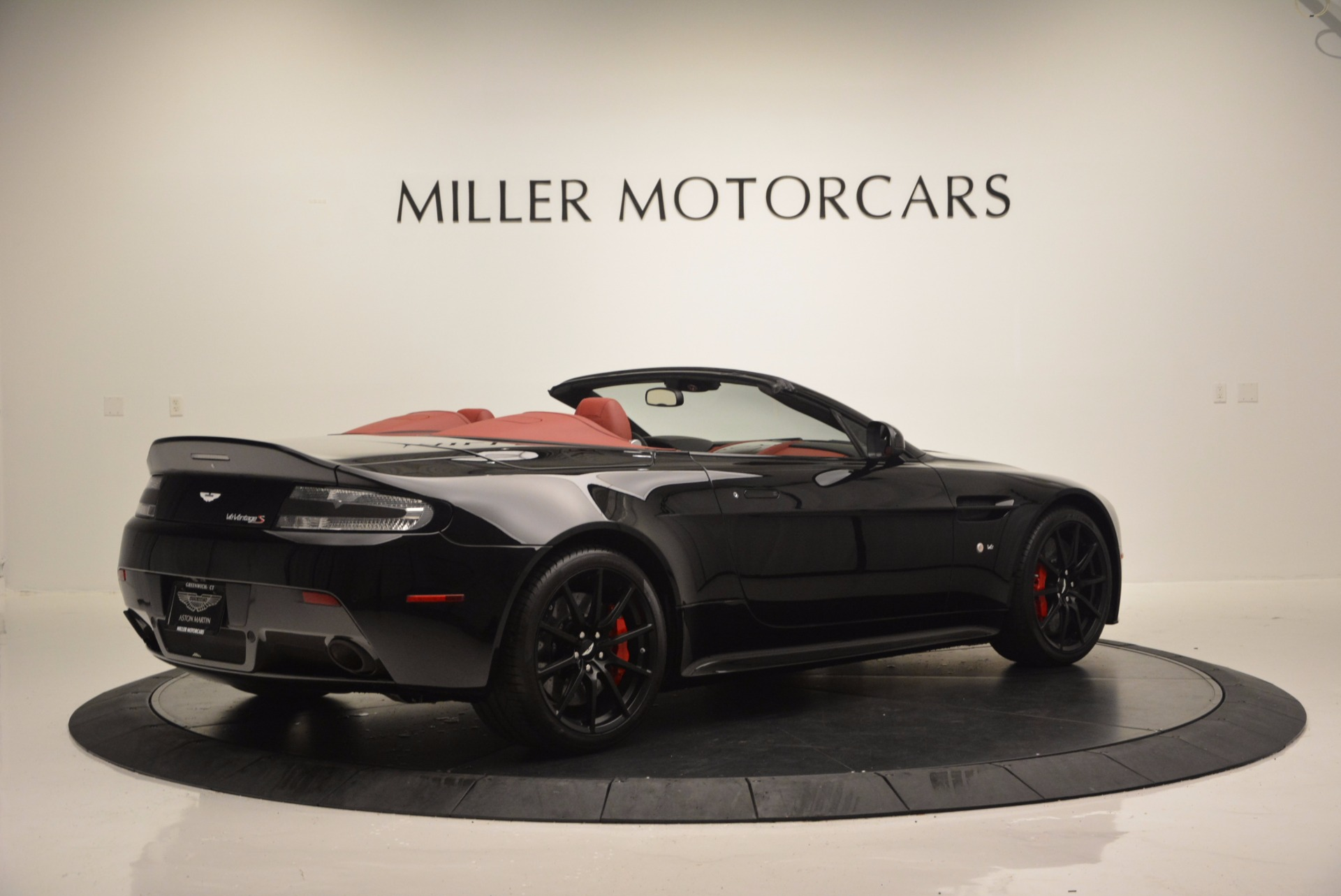 Used 2015 Aston Martin V12 Vantage S Roadster For Sale In Westport, CT 1335_p8