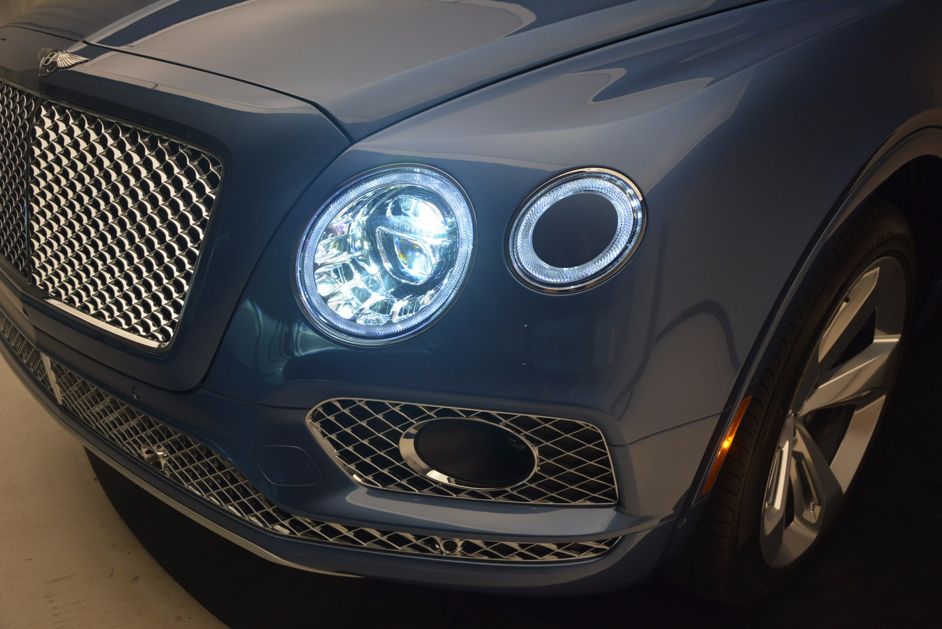 New 2018 Bentley Bentayga  For Sale In Westport, CT 1342_p16