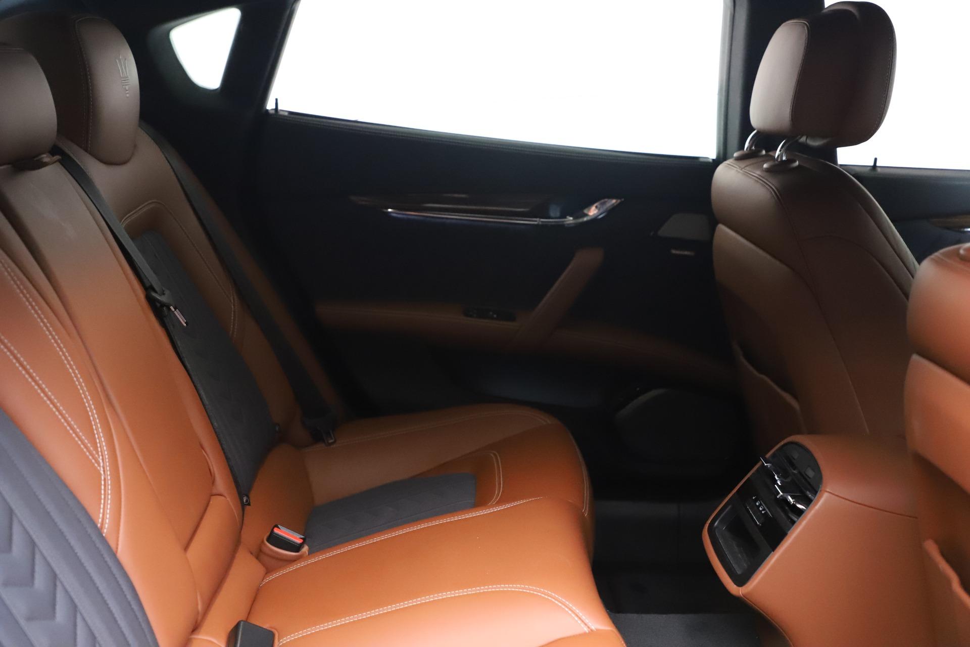 New 2017 Maserati Quattroporte SQ4 GranLusso/ Zegna For Sale In Westport, CT 1355_p23