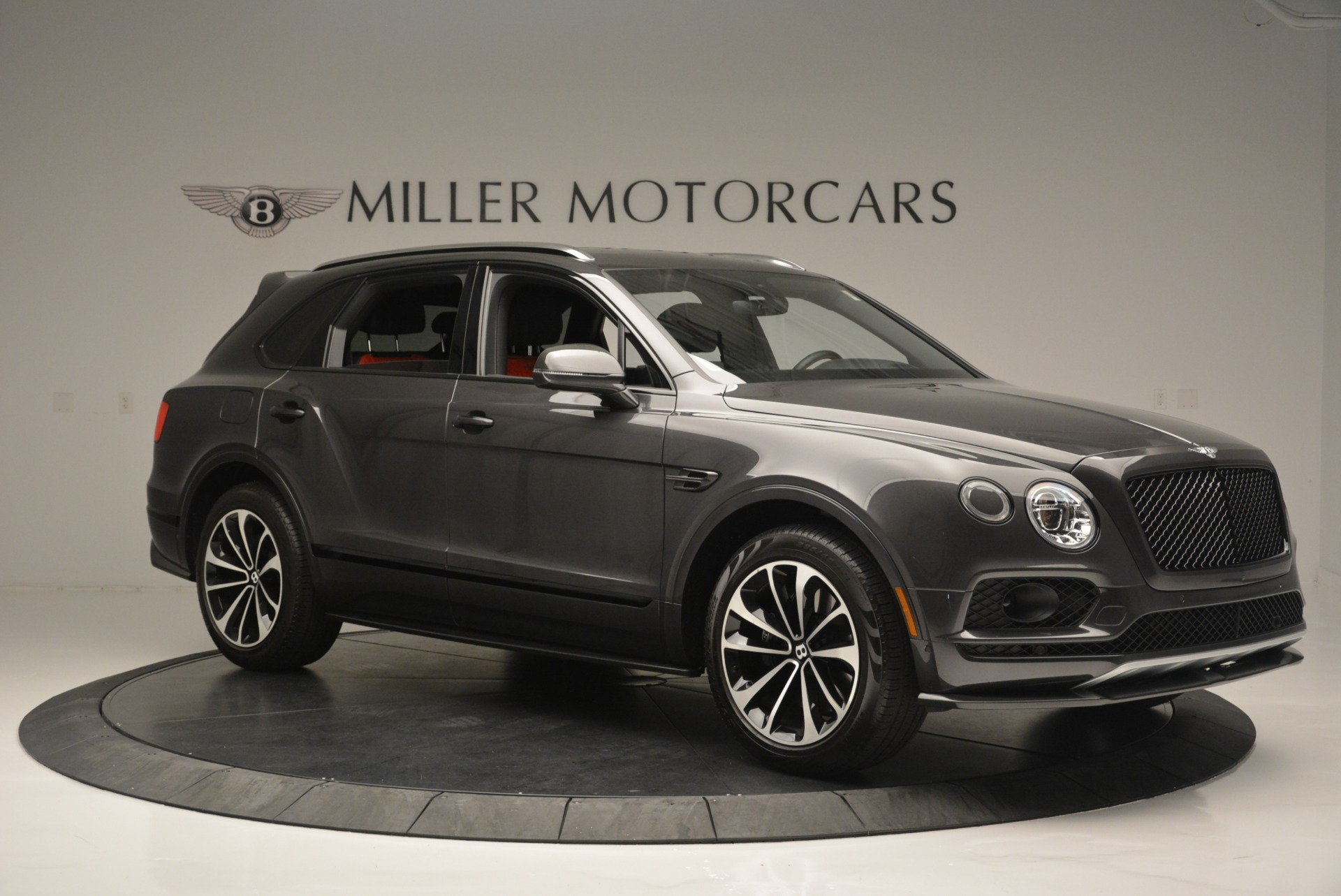 Used 2018 Bentley Bentayga W12 Signature For Sale In Westport, CT 1357_p10