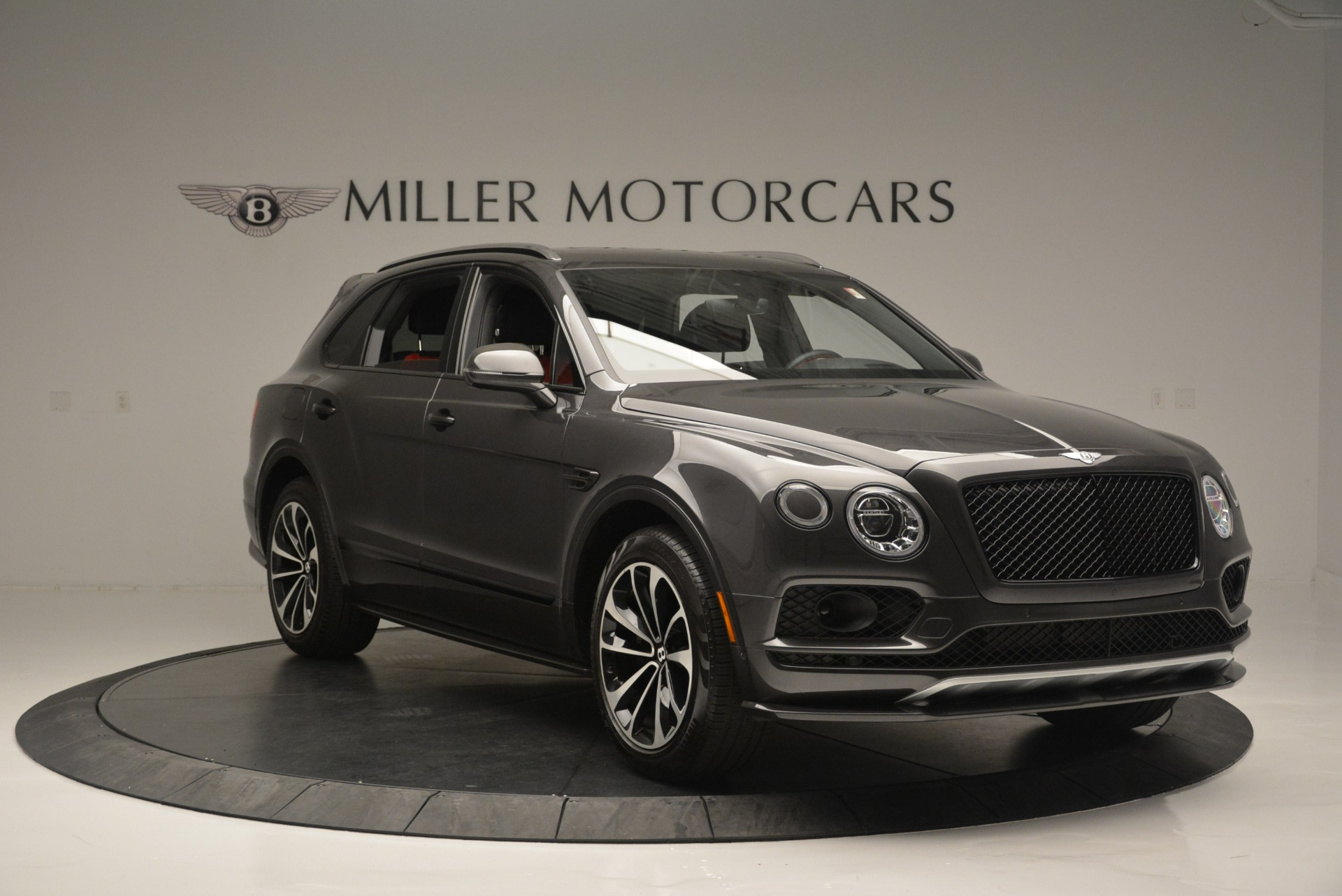 Used 2018 Bentley Bentayga W12 Signature For Sale In Westport, CT 1357_p11