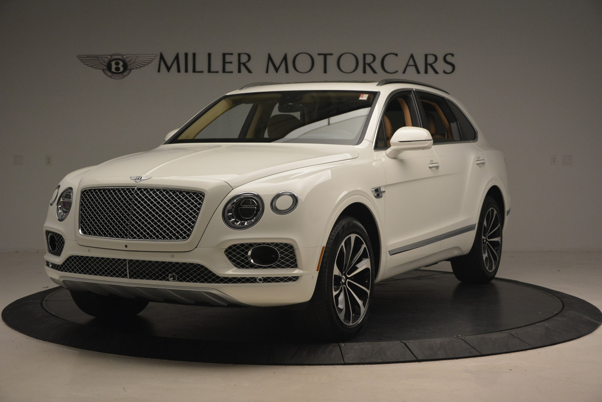 New 2018 Bentley Bentayga W12 Signature For Sale In Westport, CT 1358_main