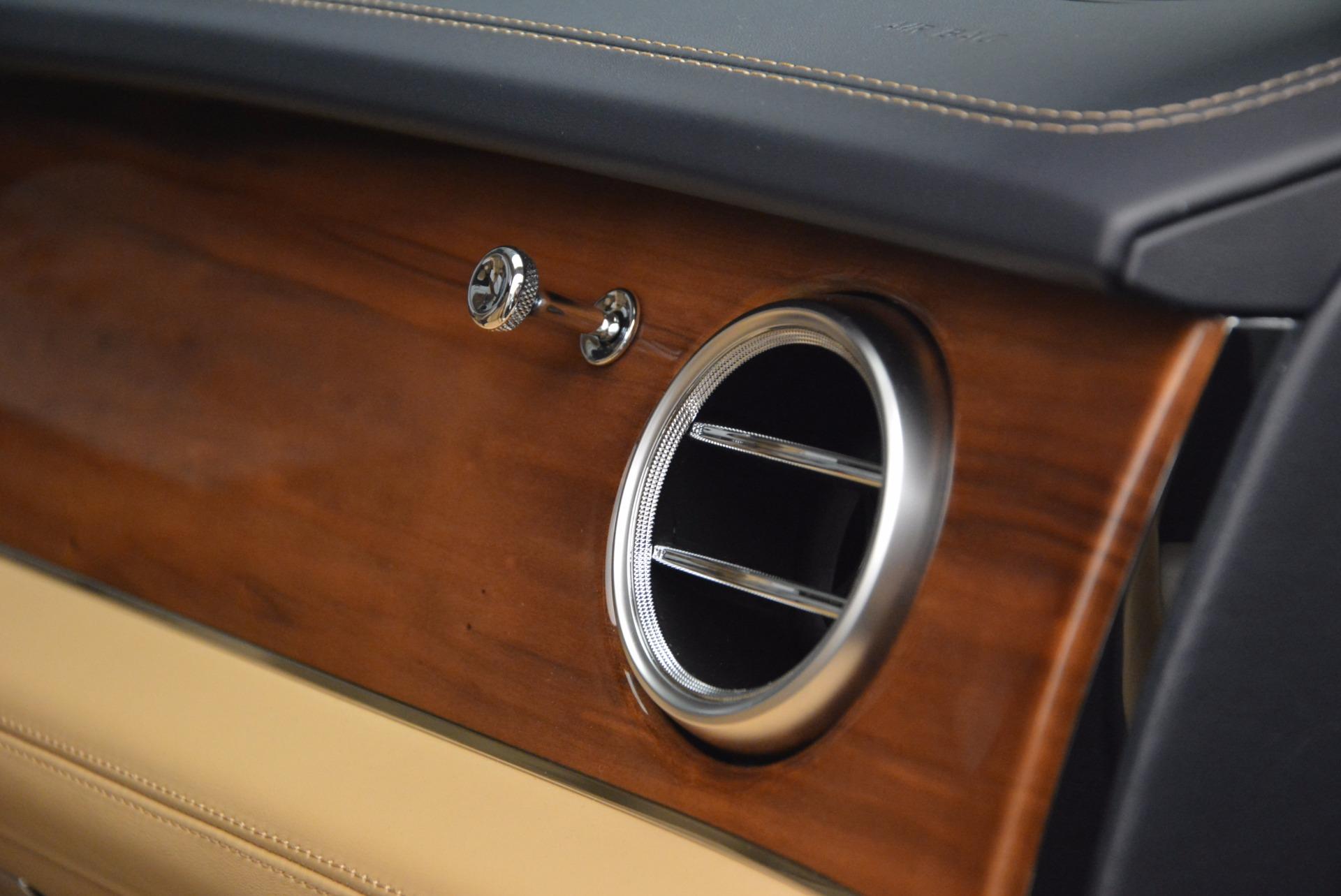 New 2018 Bentley Bentayga W12 Signature For Sale In Westport, CT 1358_p31