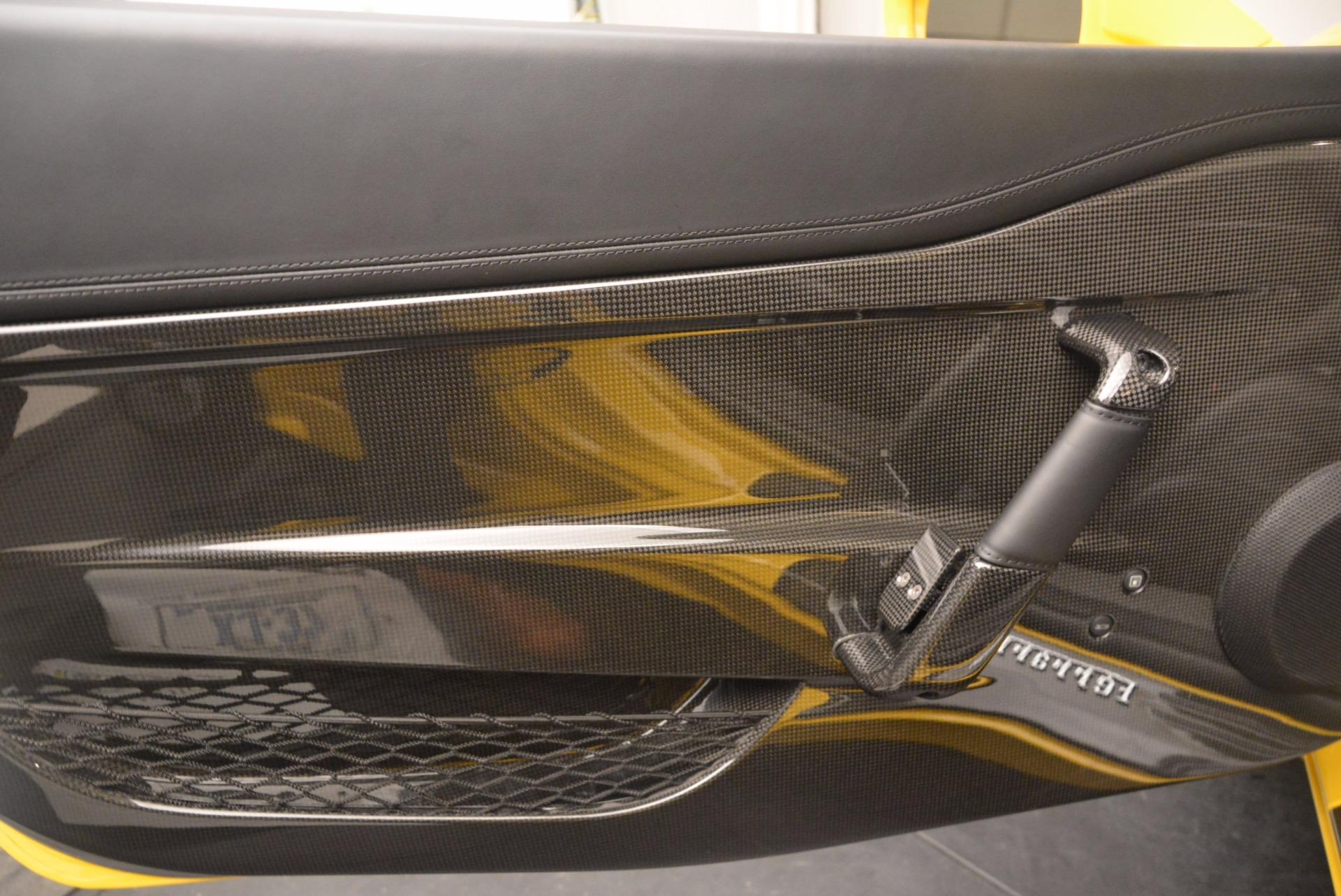 Used 2015 Ferrari 458 Speciale Aperta  For Sale In Westport, CT 1360_p28