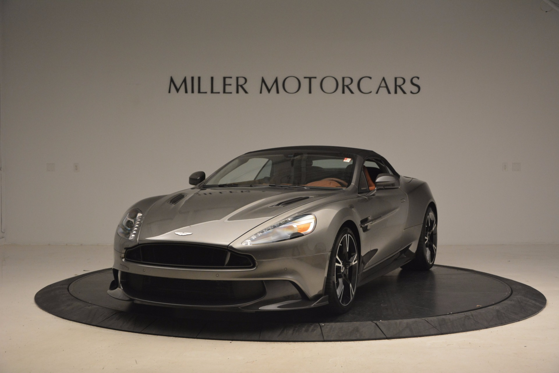 Used 2018 Aston Martin Vanquish S Convertible For Sale In Westport, CT 1362_p13