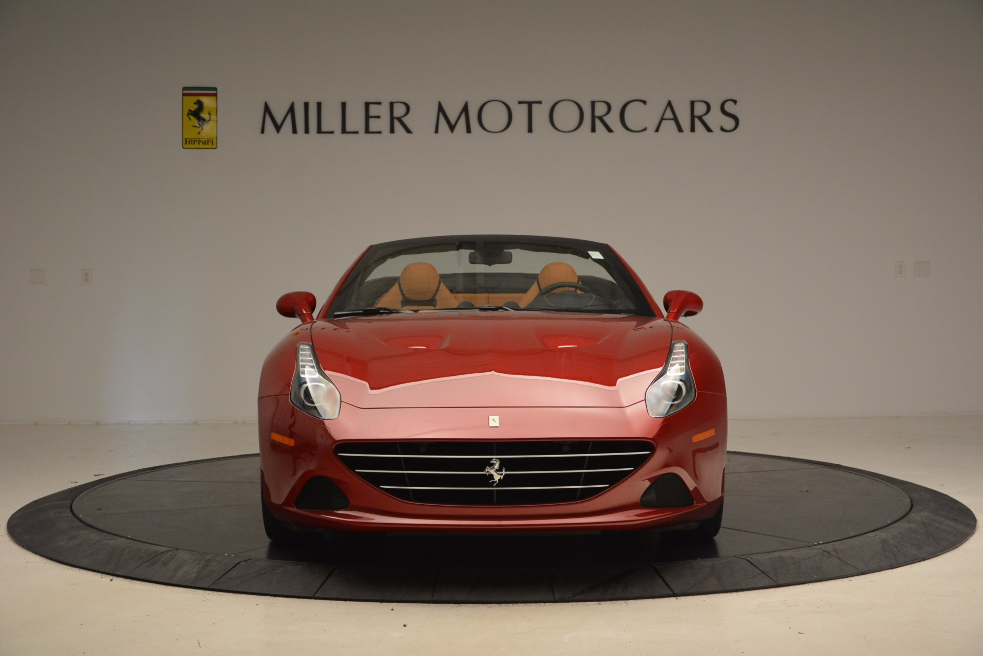 Used 2017 Ferrari California T  For Sale In Westport, CT 1395_p12