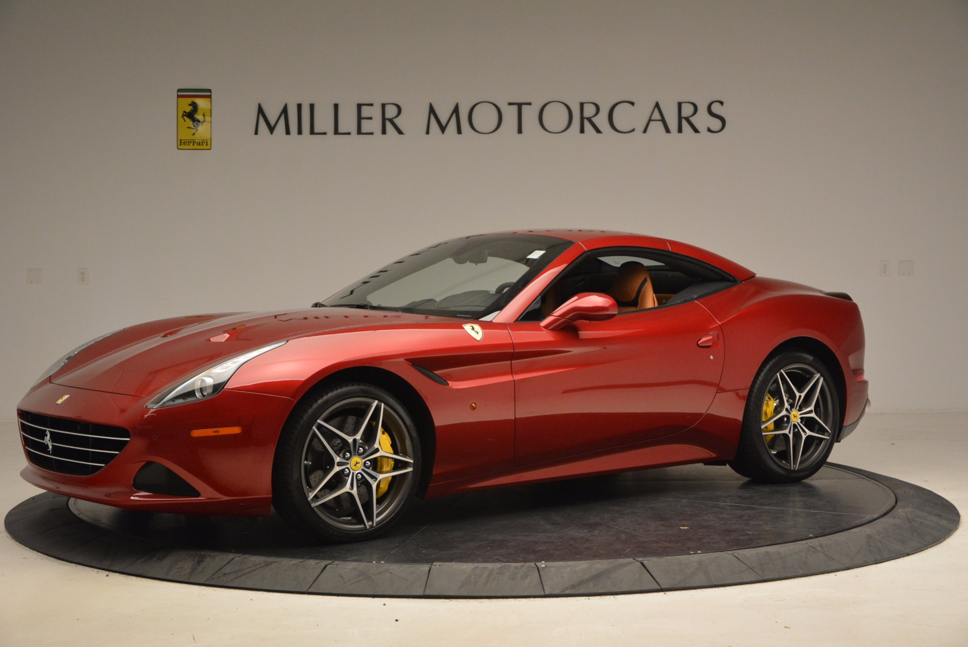 Used 2017 Ferrari California T  For Sale In Westport, CT 1395_p14