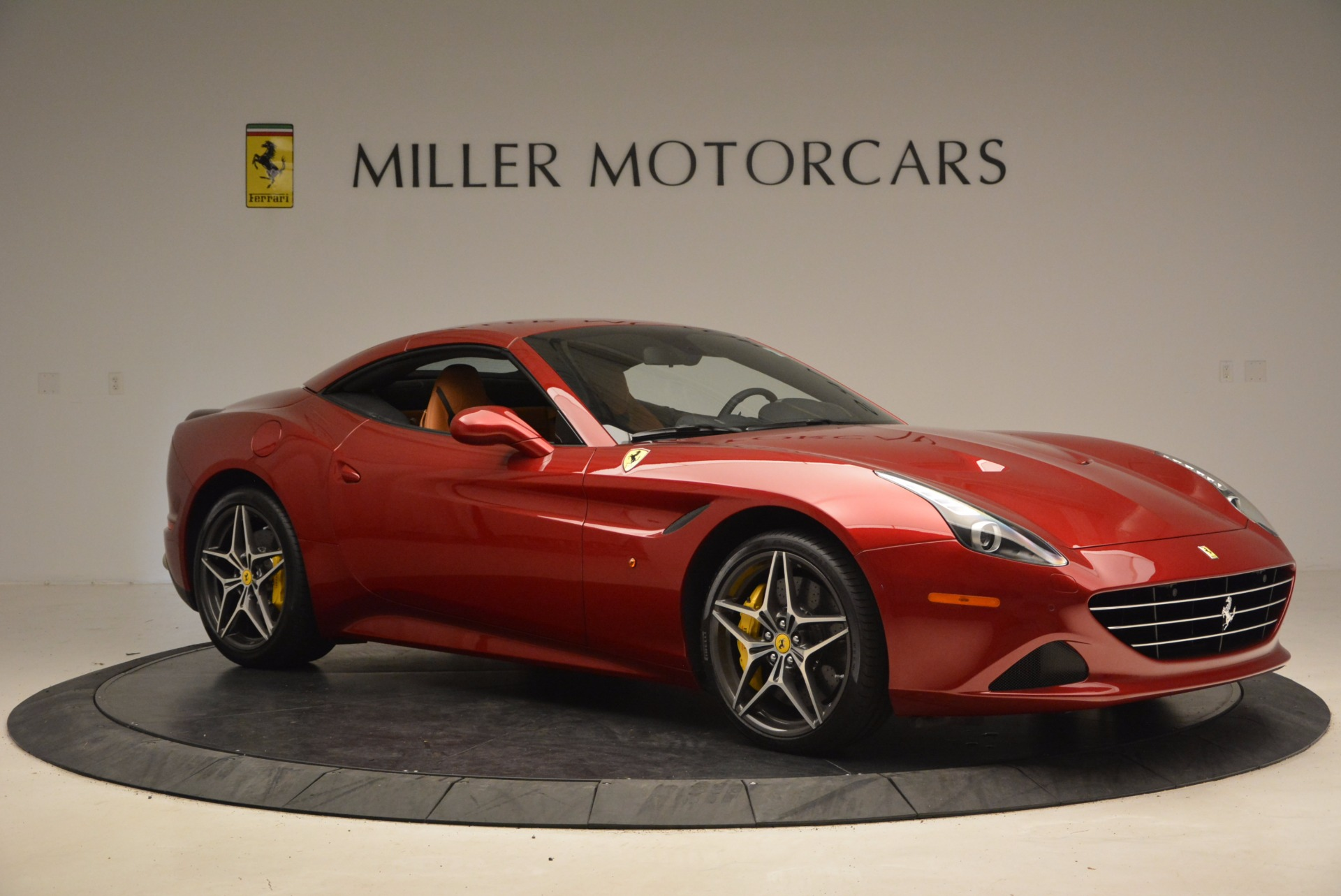 Used 2017 Ferrari California T  For Sale In Westport, CT 1395_p22