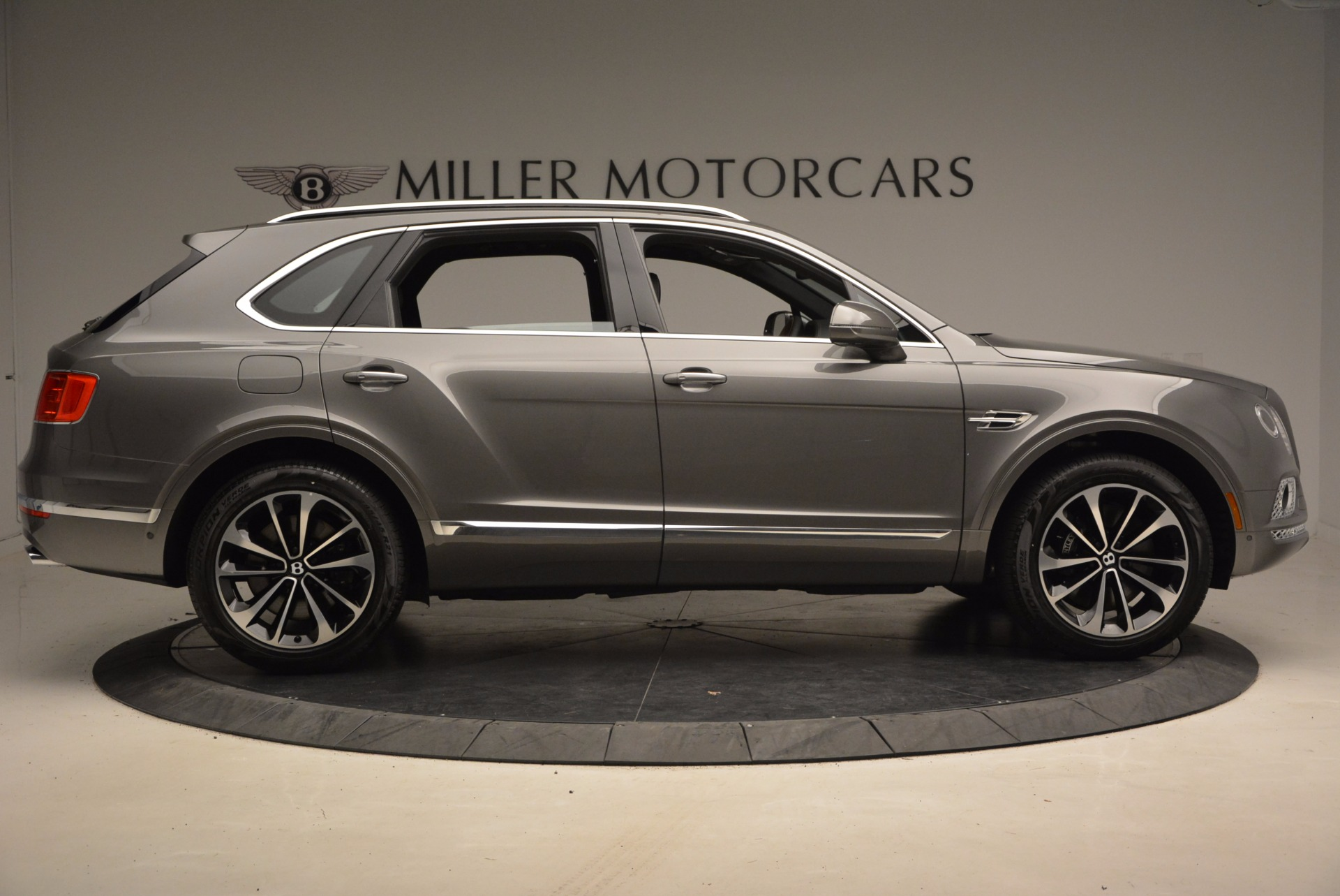 New 2018 Bentley Bentayga Activity Edition-Now with seating for 7!!! For Sale In Westport, CT 1396_p10