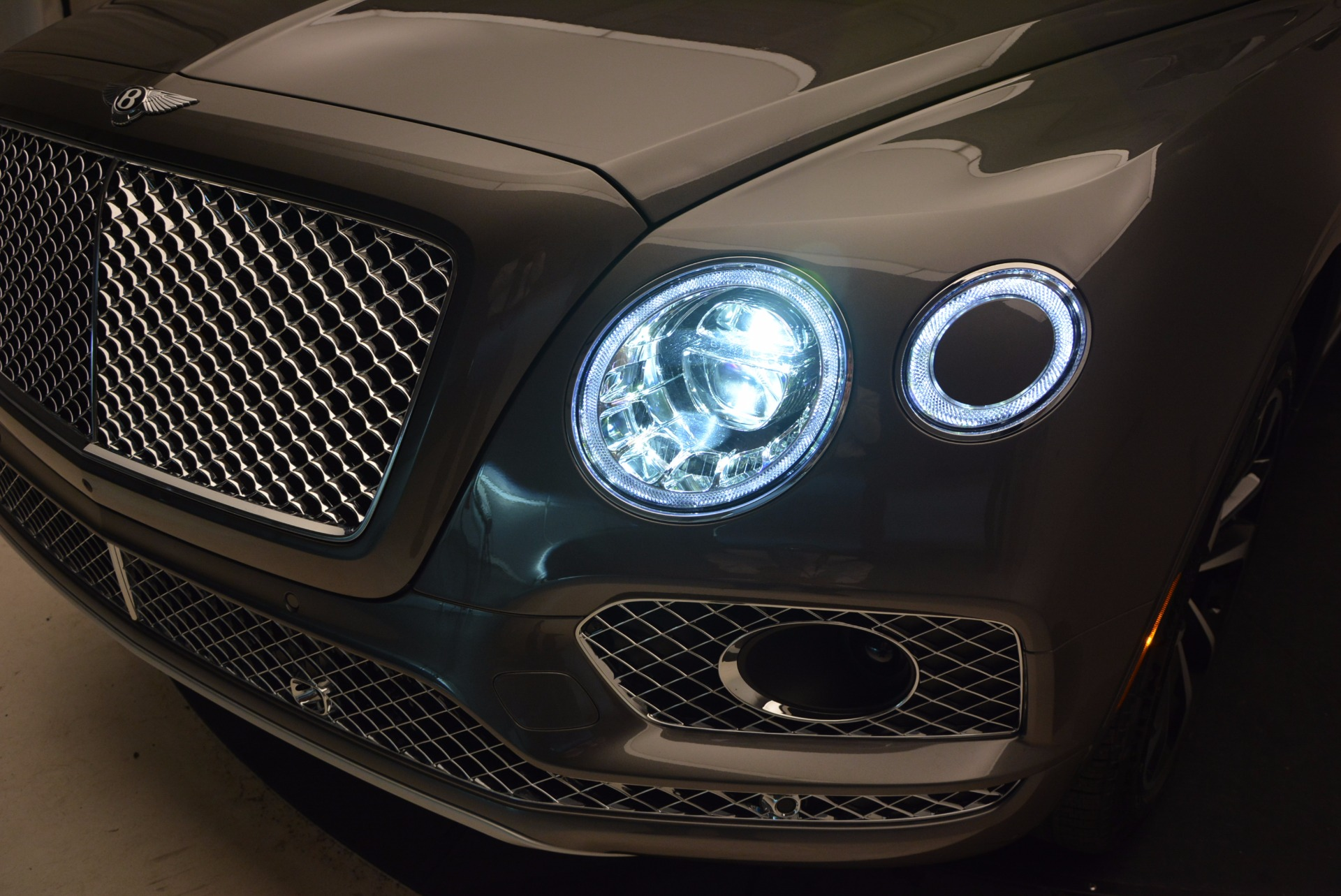 New 2018 Bentley Bentayga Activity Edition-Now with seating for 7!!! For Sale In Westport, CT 1396_p19