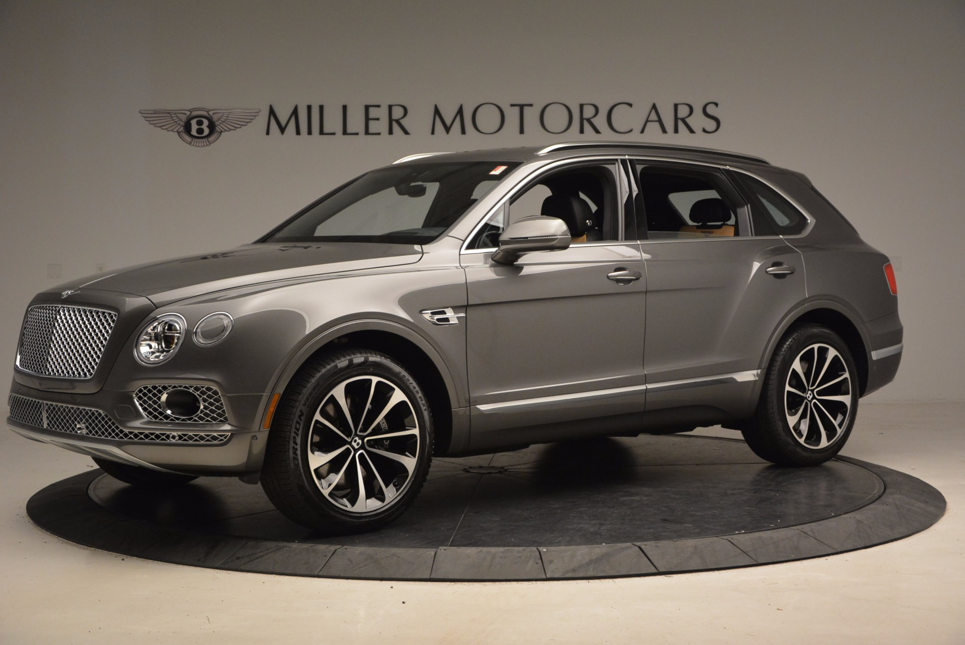 New 2018 Bentley Bentayga Activity Edition-Now with seating for 7!!! For Sale In Westport, CT 1396_p2