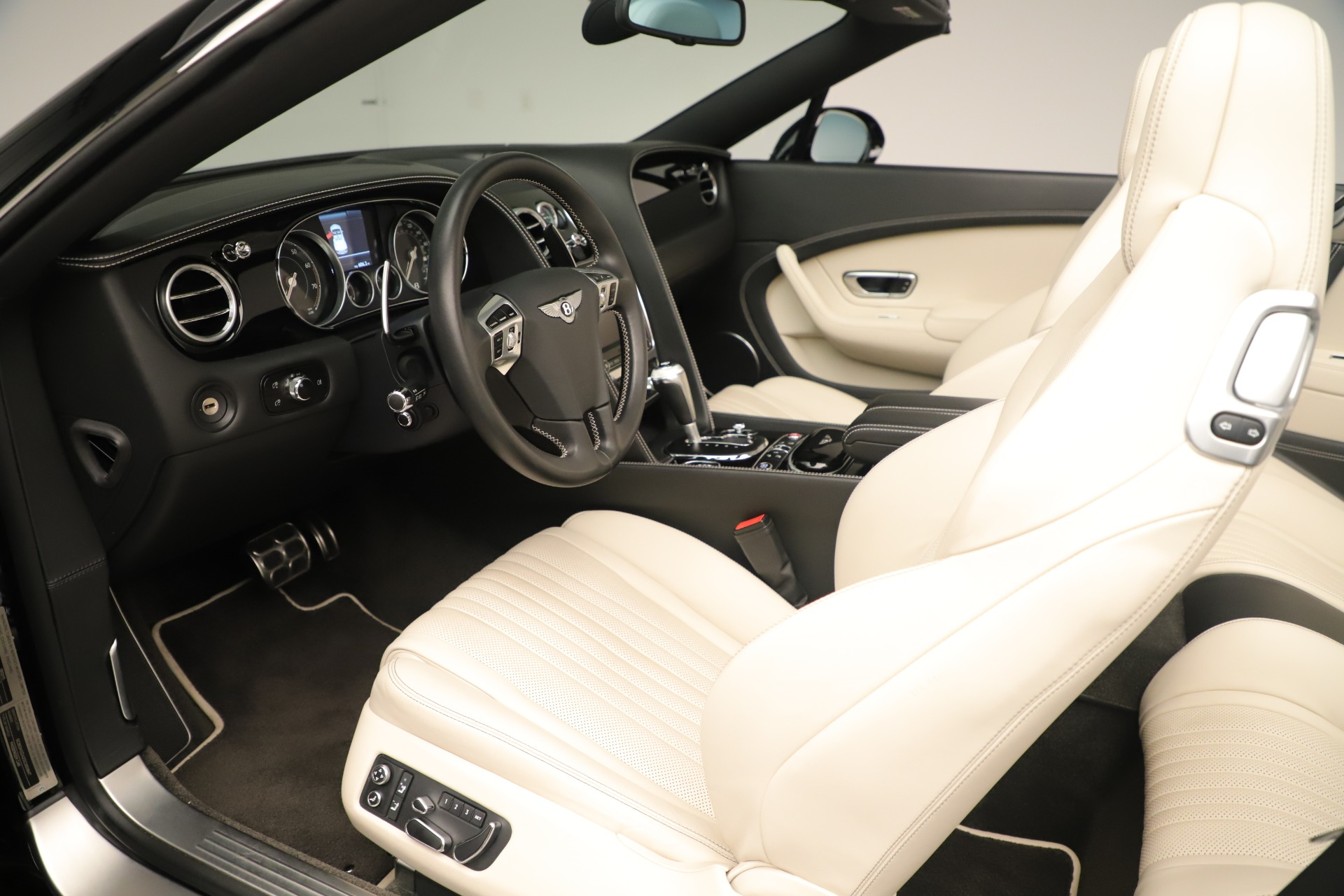 Used 2016 Bentley Continental GT V8 S Convertible  For Sale In Westport, CT 14_p22